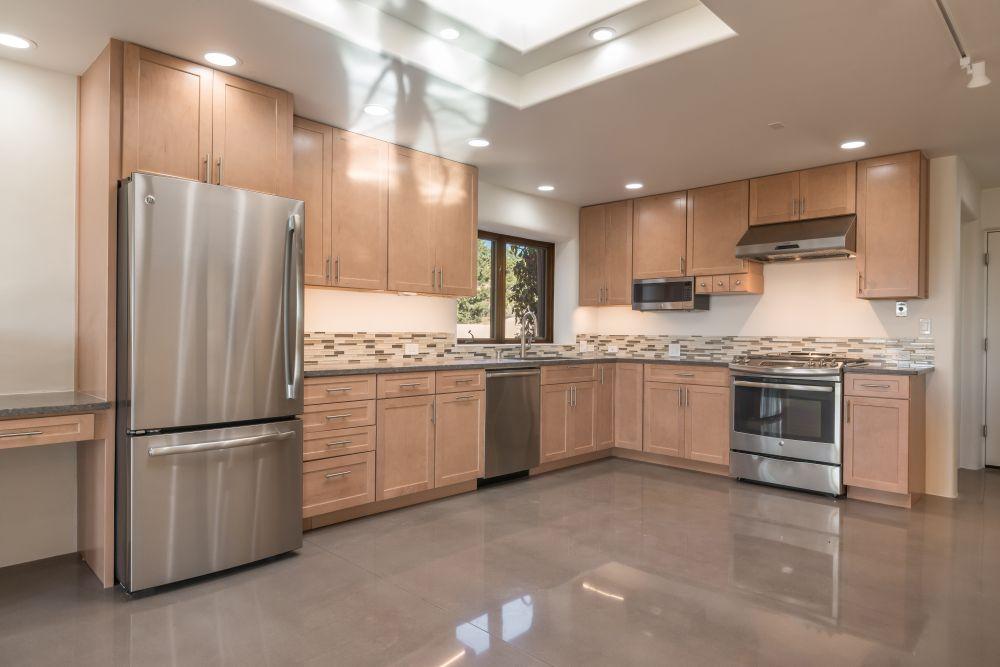 Kitchen B4.jpg