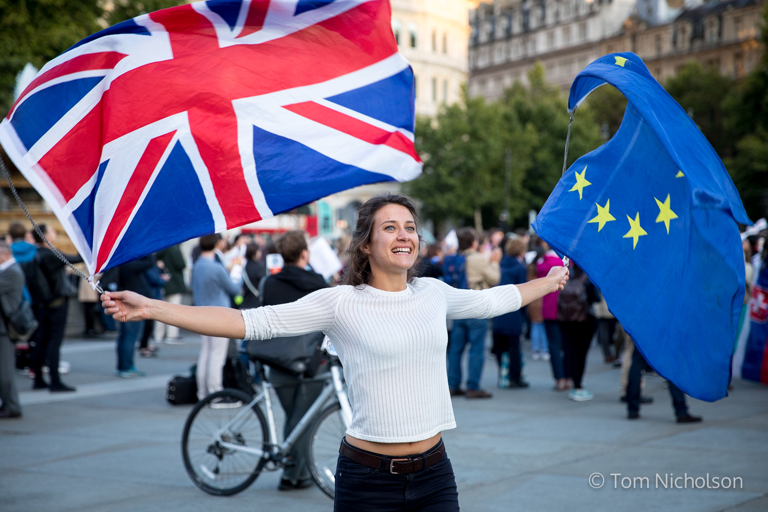 ©2017 Tom Nicholson. 13/09/2017. London, UK. An activist campaigns in Trafalgar Square for the rights of EU citizens in the UK and British citizens in Europe following Brexit.