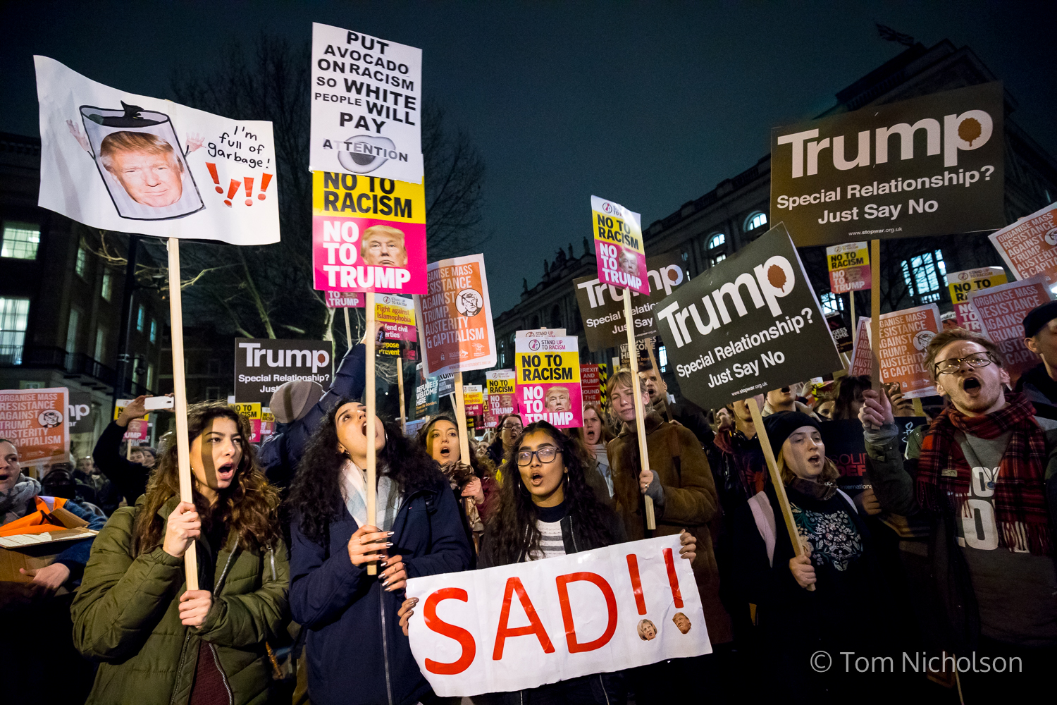 ©2017 Tom Nicholson. 30/01/2017. London, UK. Demonstrators protest against Donald Trump's executive order to ban people from seven Muslim-majority countries entering the US. Theresa May has invited Trump for a state visit to the UK. However, a petition calling for the cancellation of this visit has now passed 1 million signatures.
