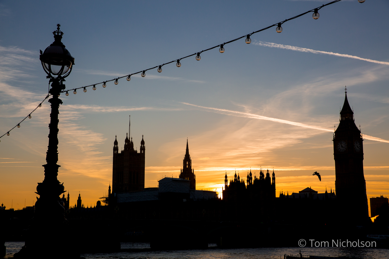 ©2017 Tom Nicholson. 17/01/2017. London, UK. The sun sets over The Houses of Parliament on the day British Prime Minister Theresa May outlined the plan for Brexit, including Britain leaving the single market.