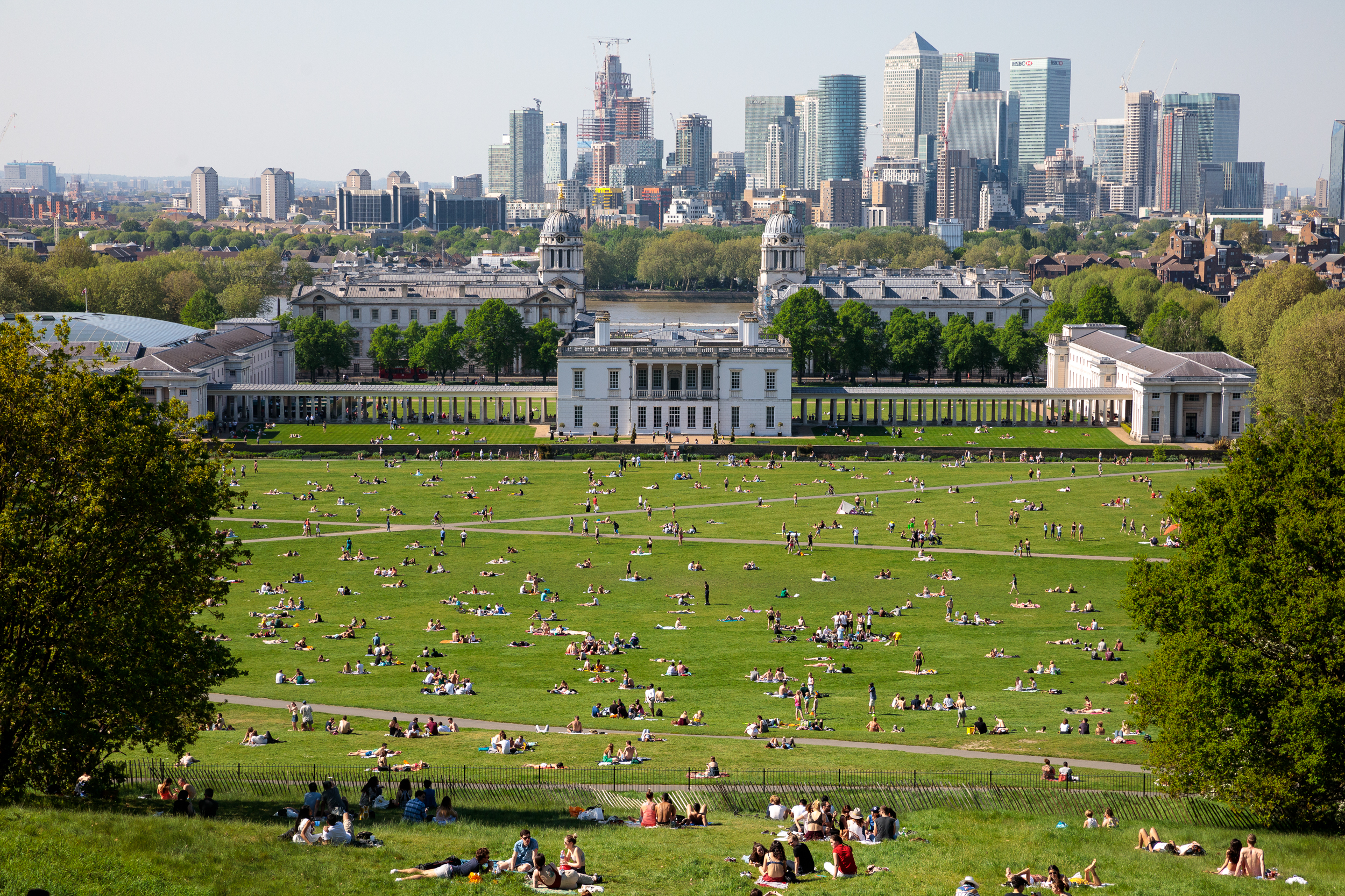 Thousands of people enjoy the warm weather in Greenwich park on Bank Holiday Monday. Temperatures hit as high as 28.7 degrees C in the capital today, the hottest early May Bank Holiday on record. May 2018 - London, UK