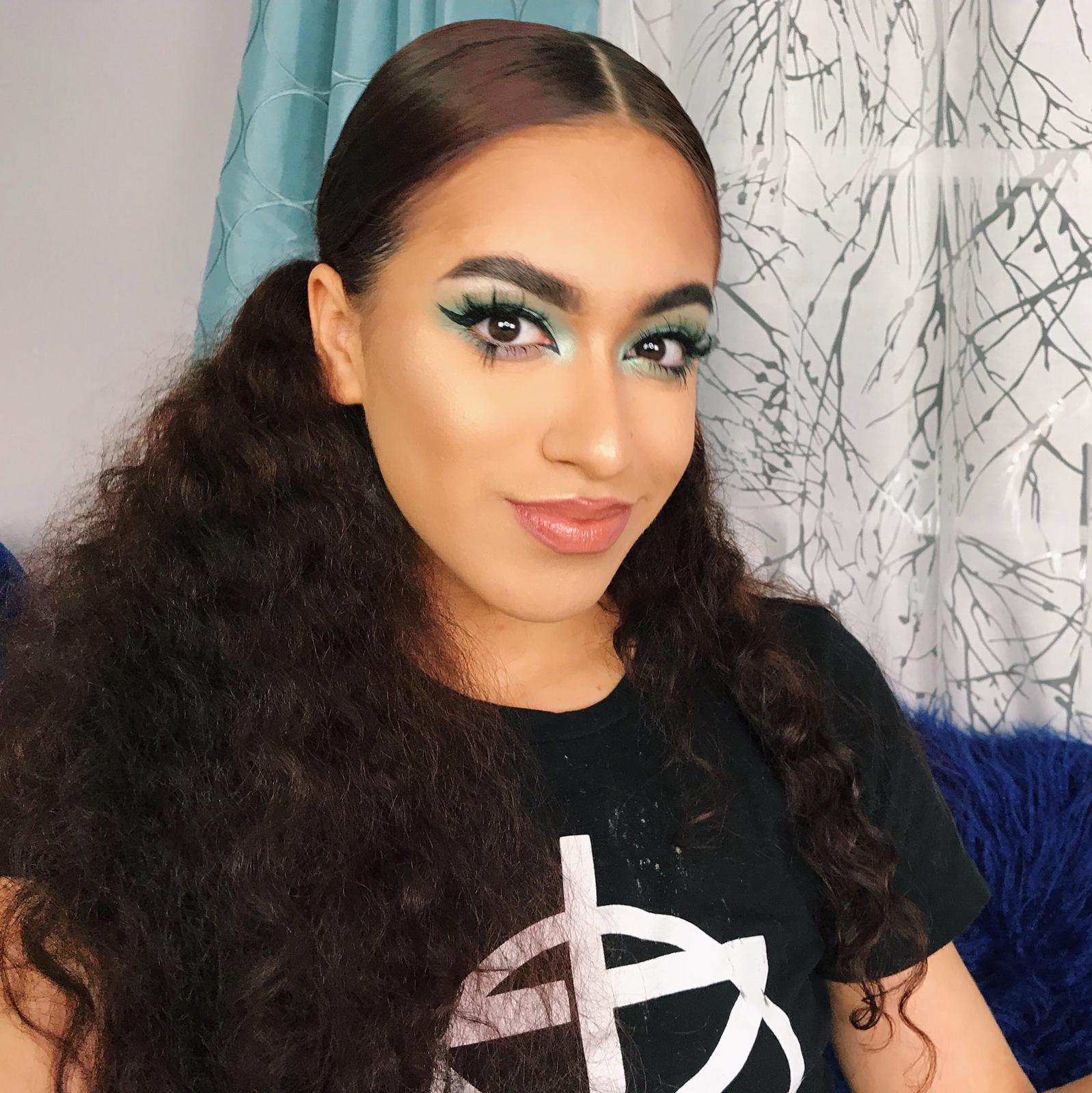 Israa can take any eye and make it wrestling