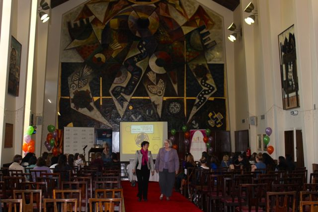 The Great Hall @ ANU and 2 fabulous Canberra Tech Girl Superheroes Lyn Johns-Booth & Kate Muir.jpg