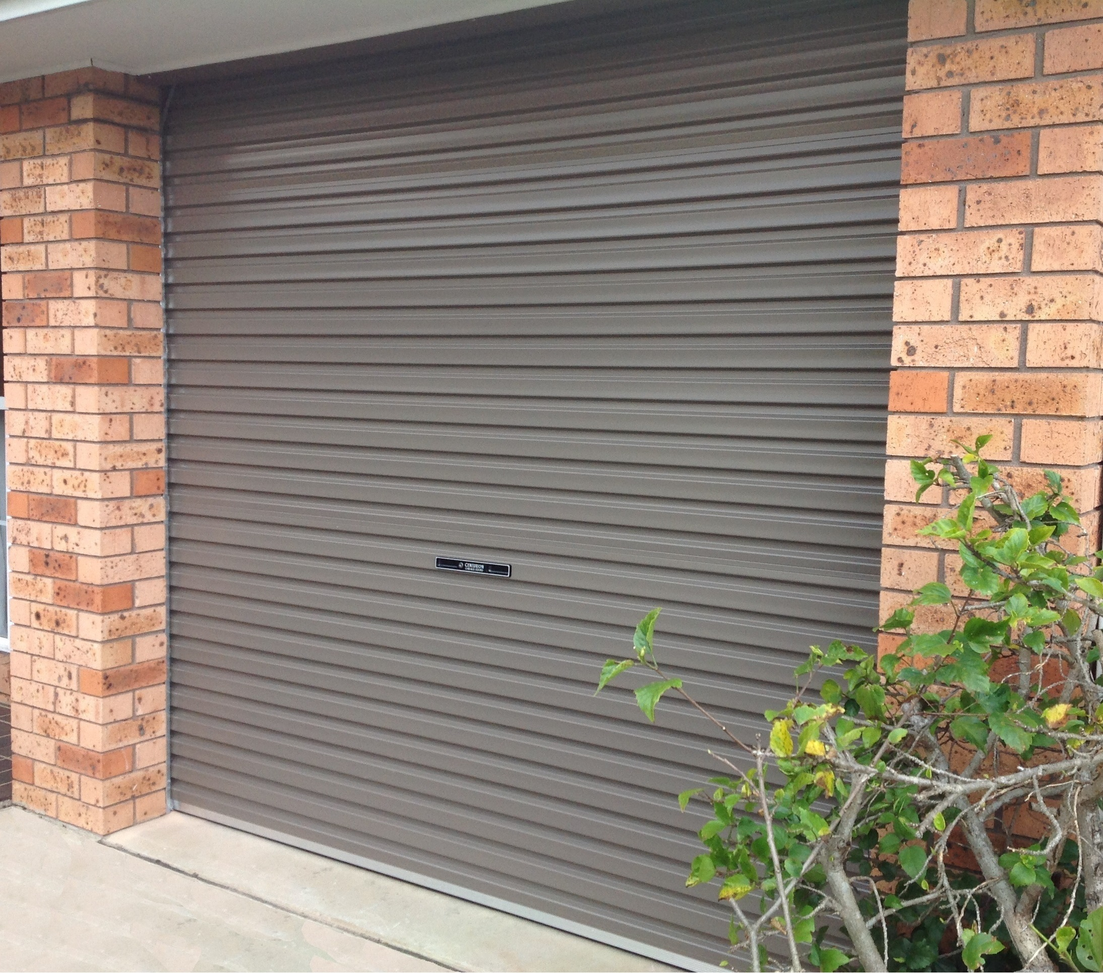 Residential Roller Door (one click on image to enlarge)