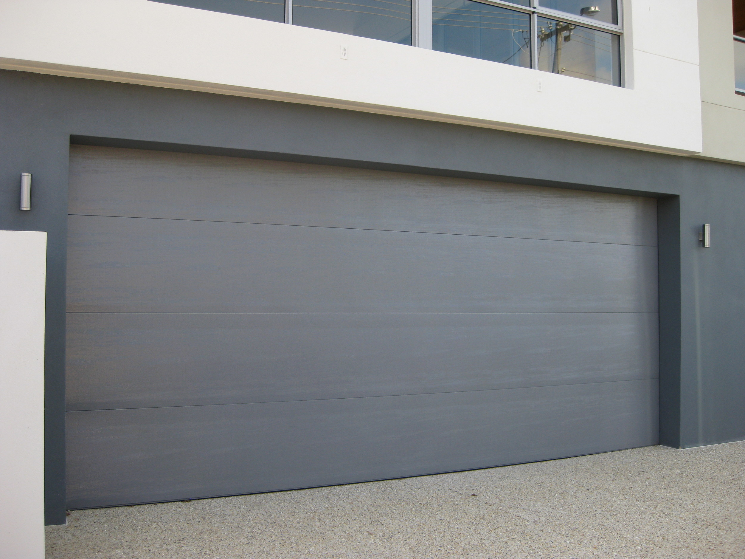 Colorbond madison SECTIONAL DOOR (CLICK ON IMAGE TO ENLARGE)