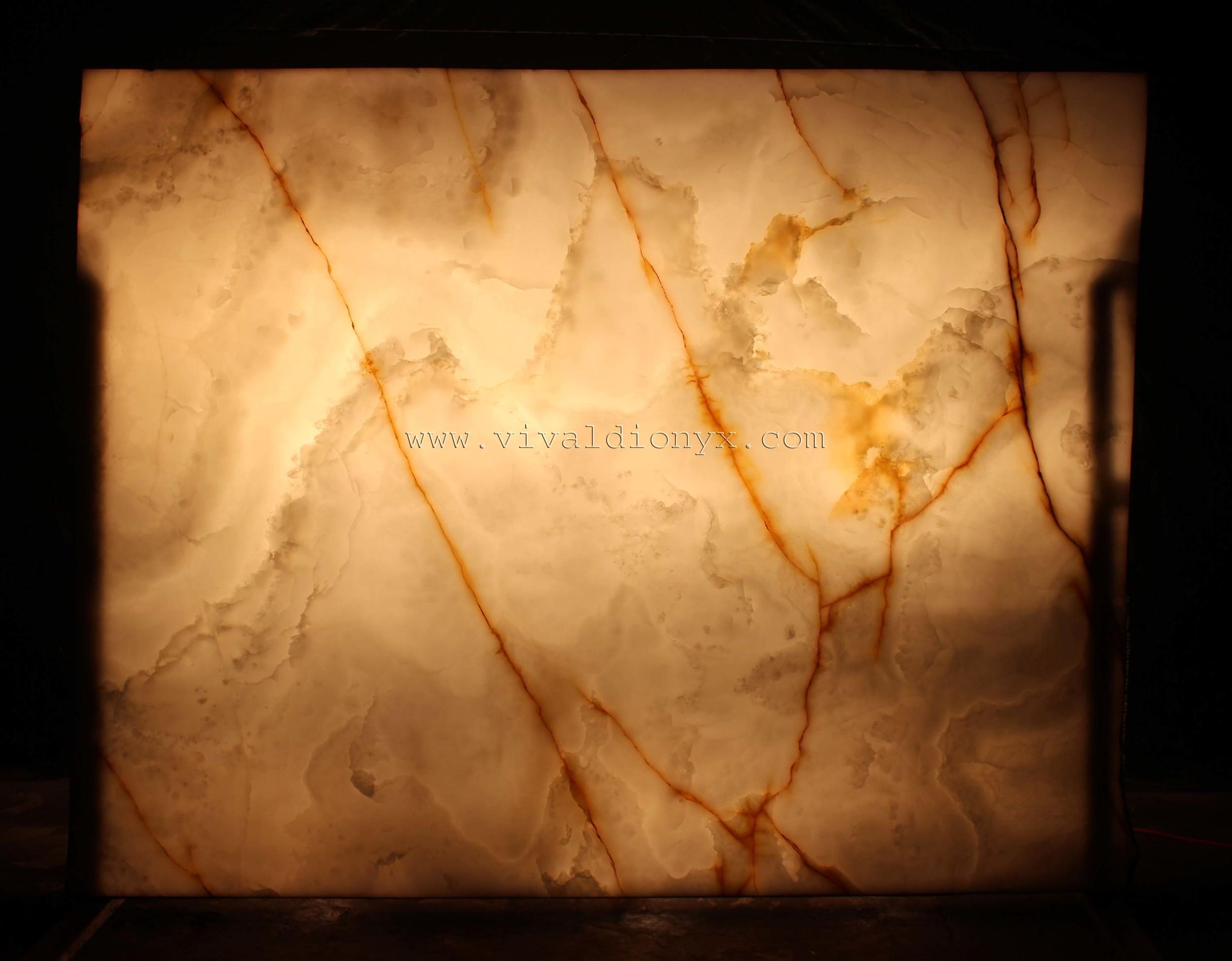 Onyx Bianco Extra - Light