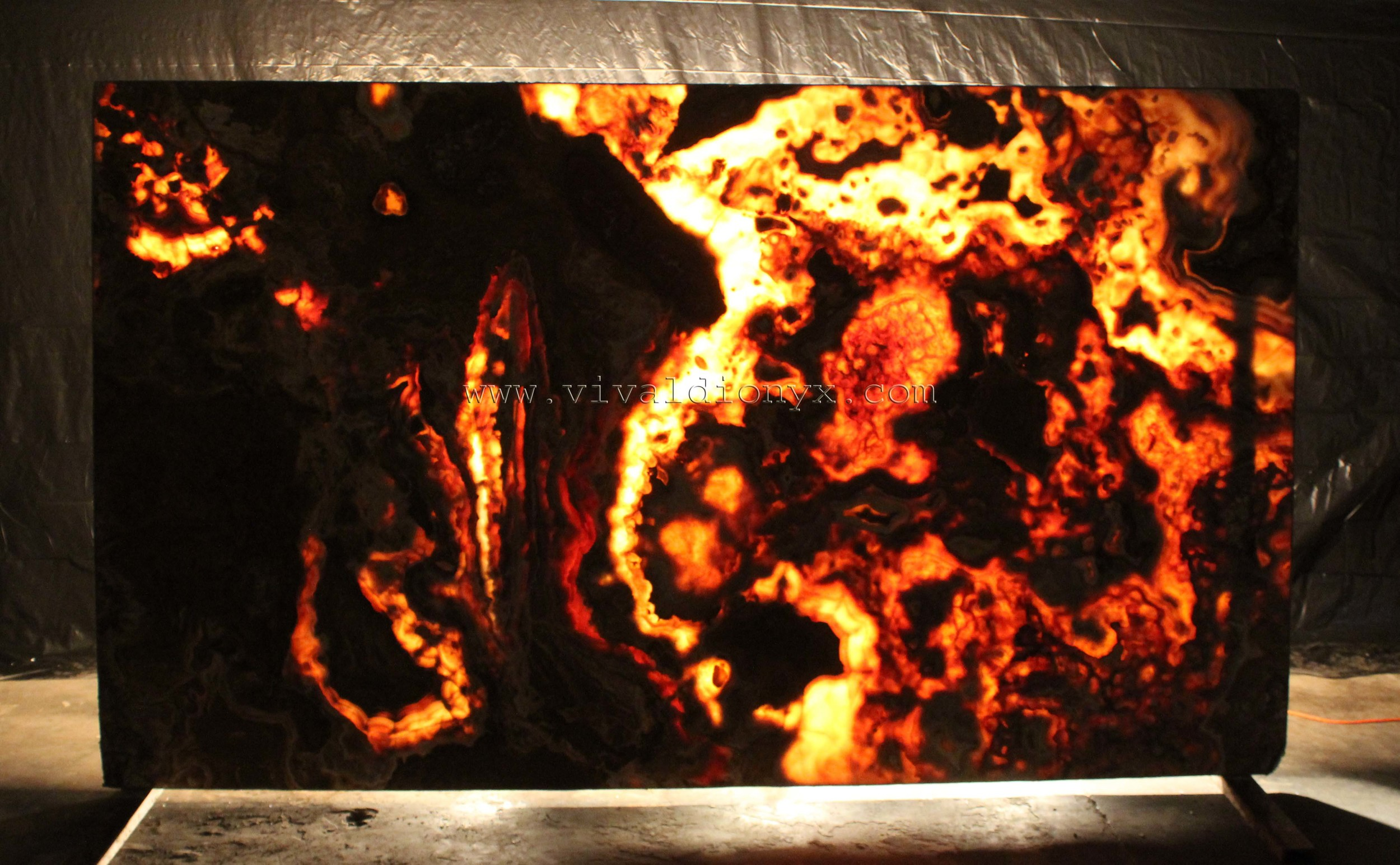 Onyx Botticelli - Light
