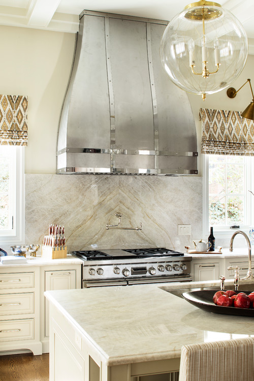 Tajmahal Quartzite Traditional Kitchen