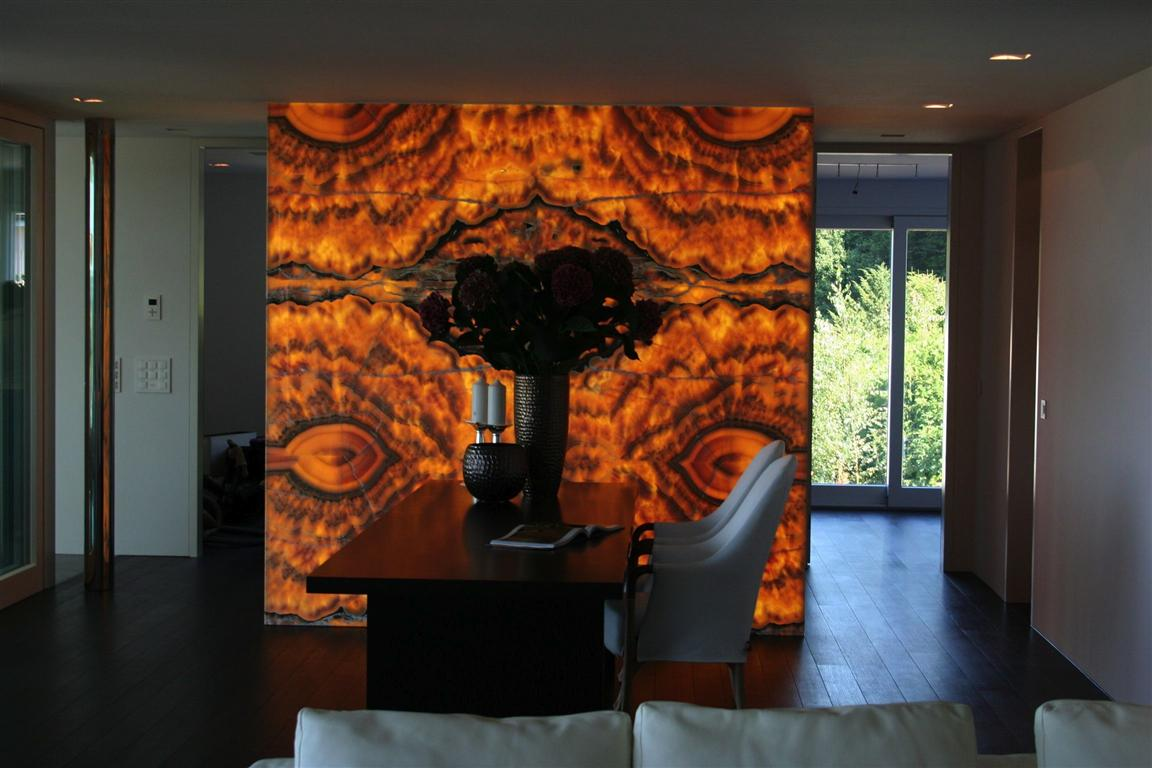 Onyx Nuvolato Wall Feature