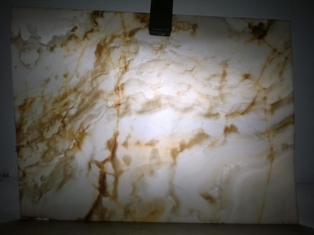 Onyx Bianco Extra - Backlit