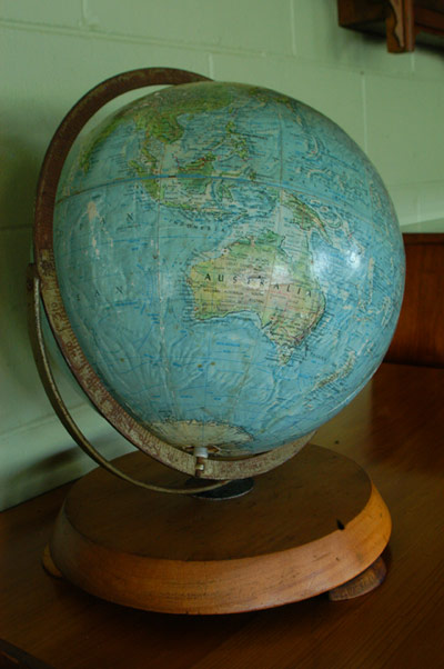 thumbnail_antique-world-globe_1069880402_1377782789.jpg