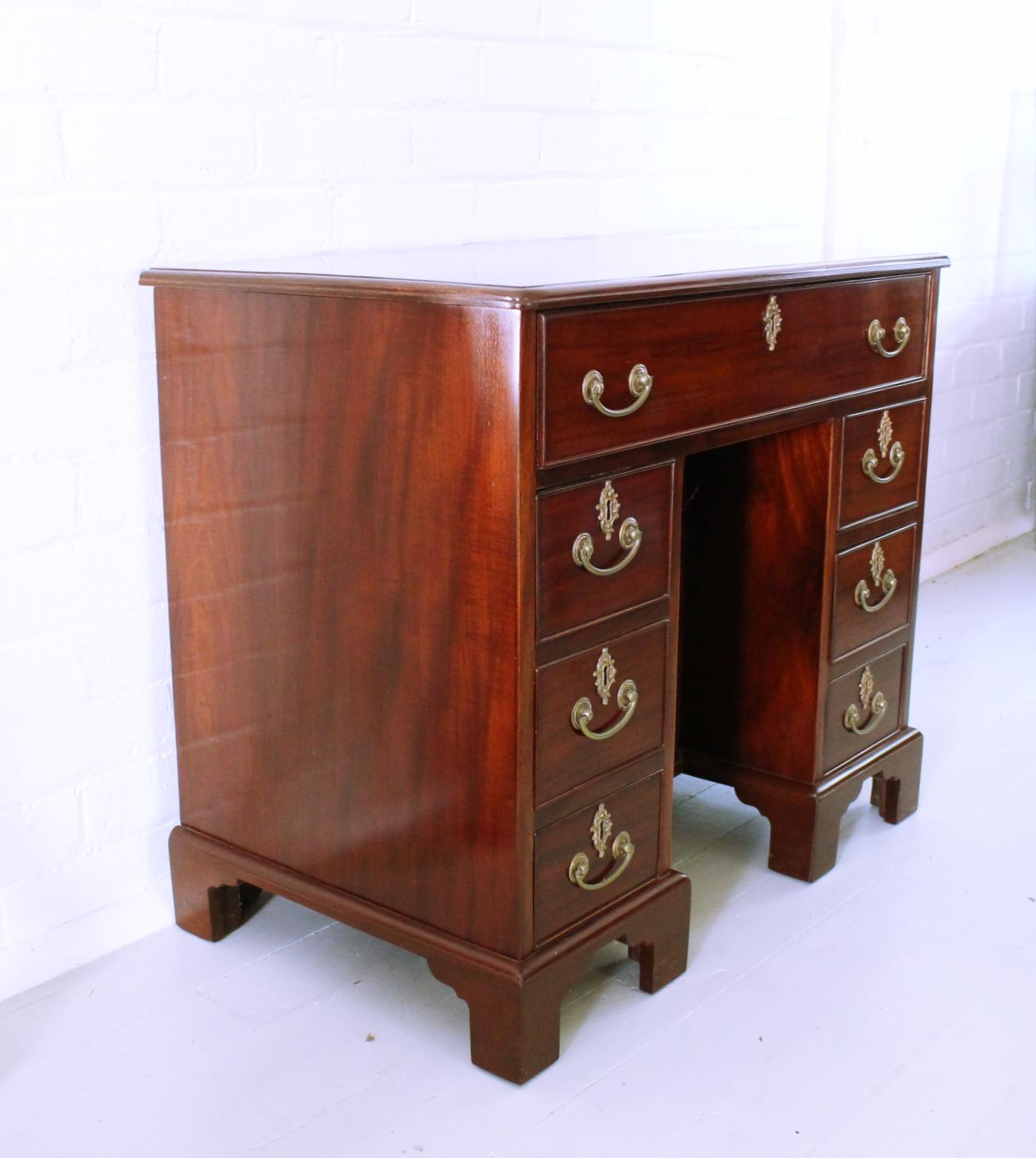 Georgian Mahogany Kneehole Desk.jpg