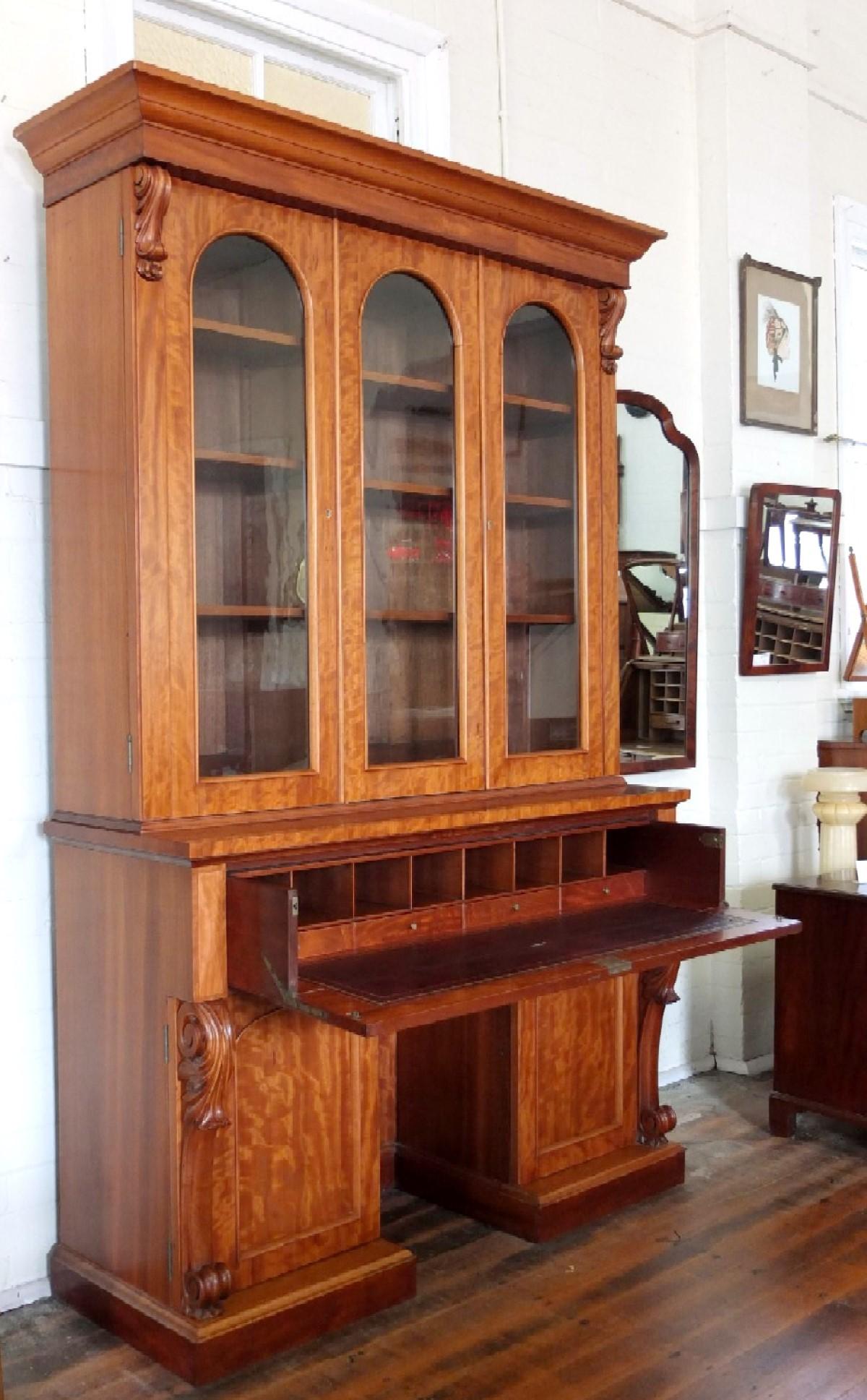 Lenehan Bookcase 3.jpg