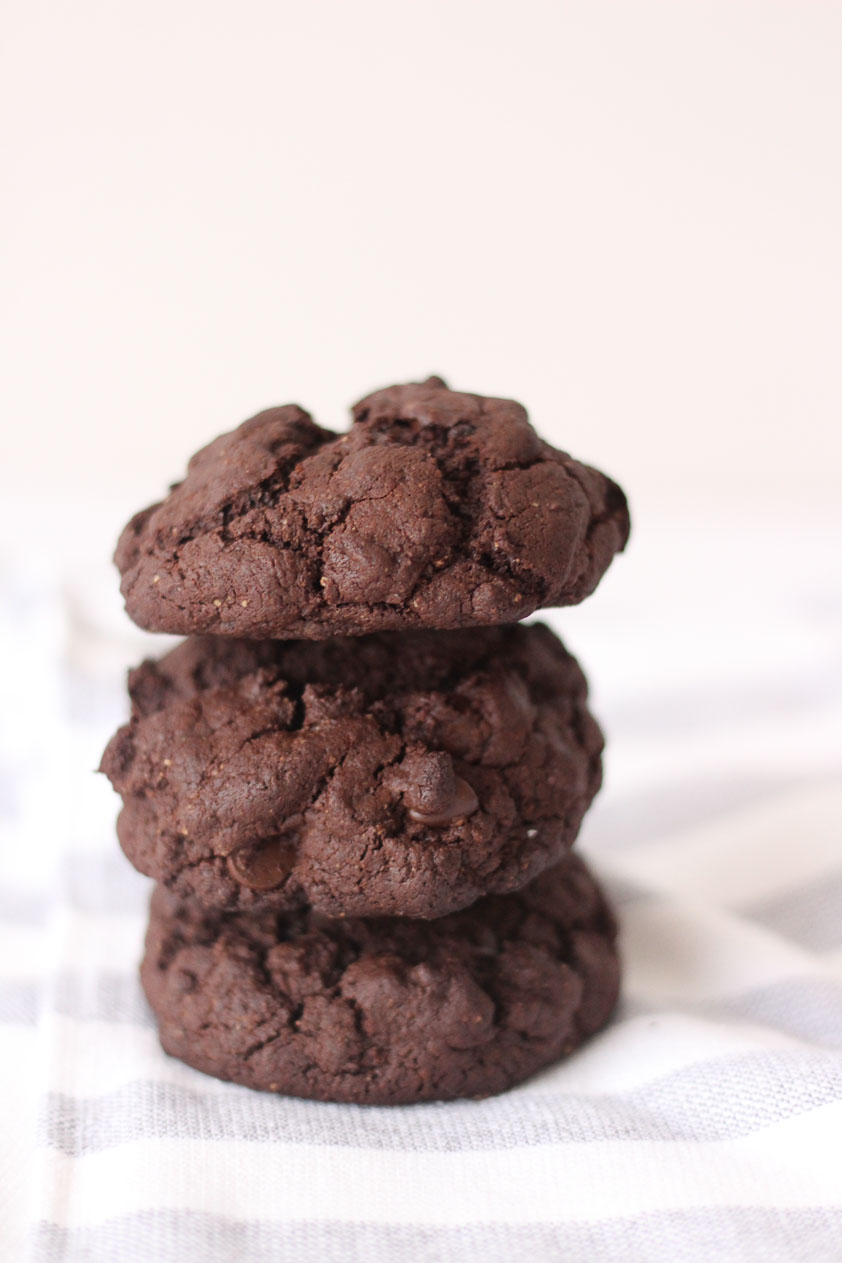 Whole30_dairyfree_paleo_glutenfree_chocolate_brownie_cookies (4 of 6).JPG