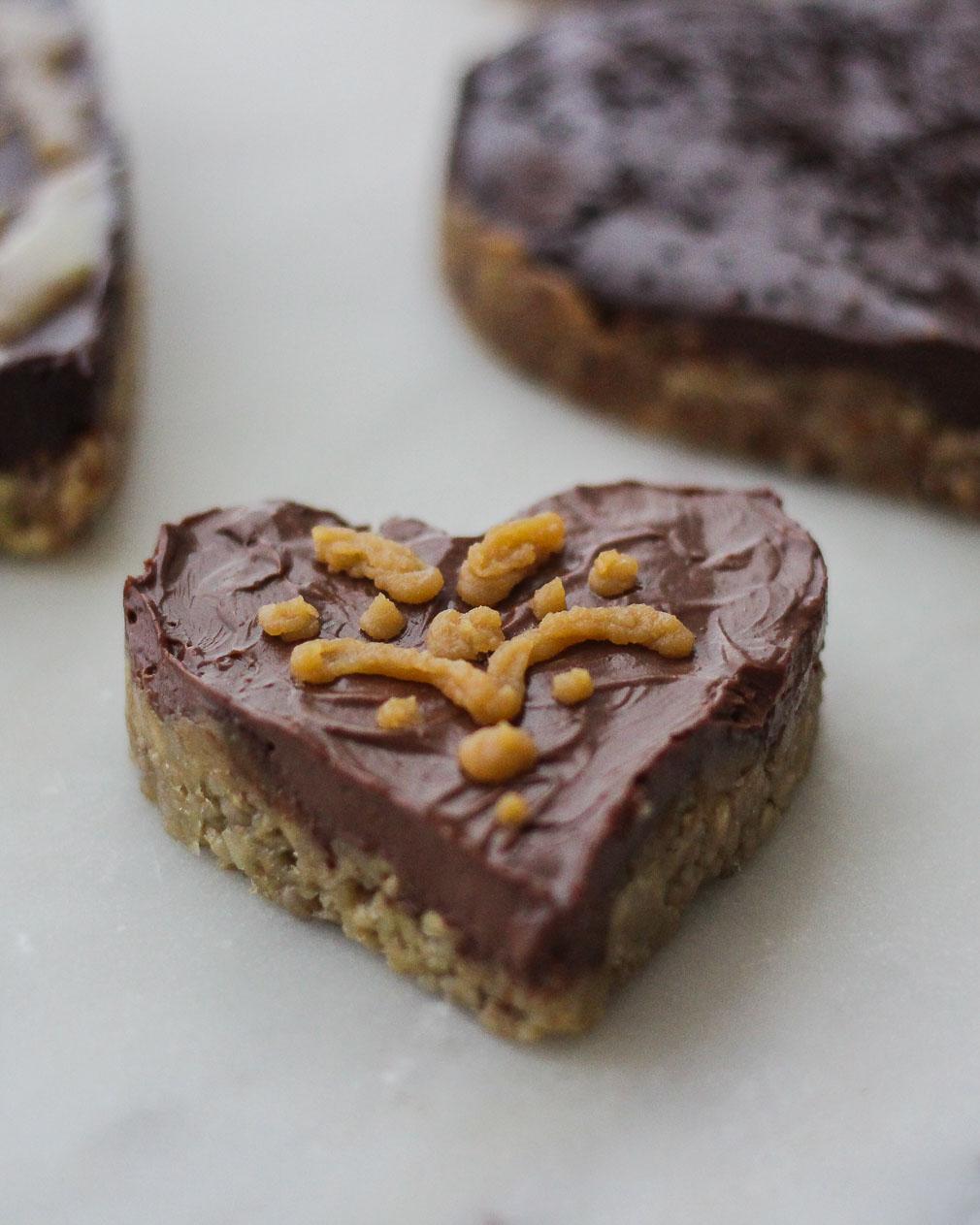 Dark Pecan Tart Paleo, Low-FODMAP and Gluten-free-Perfect for Valentine's Day