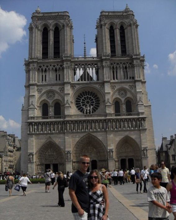 I feel a huge loss of this beautiful piece of history and architectural masterpiece. I pray the fire will end soon. 💔 #notredame #paris #france #loss #heartofparis #history #10yearoldpic