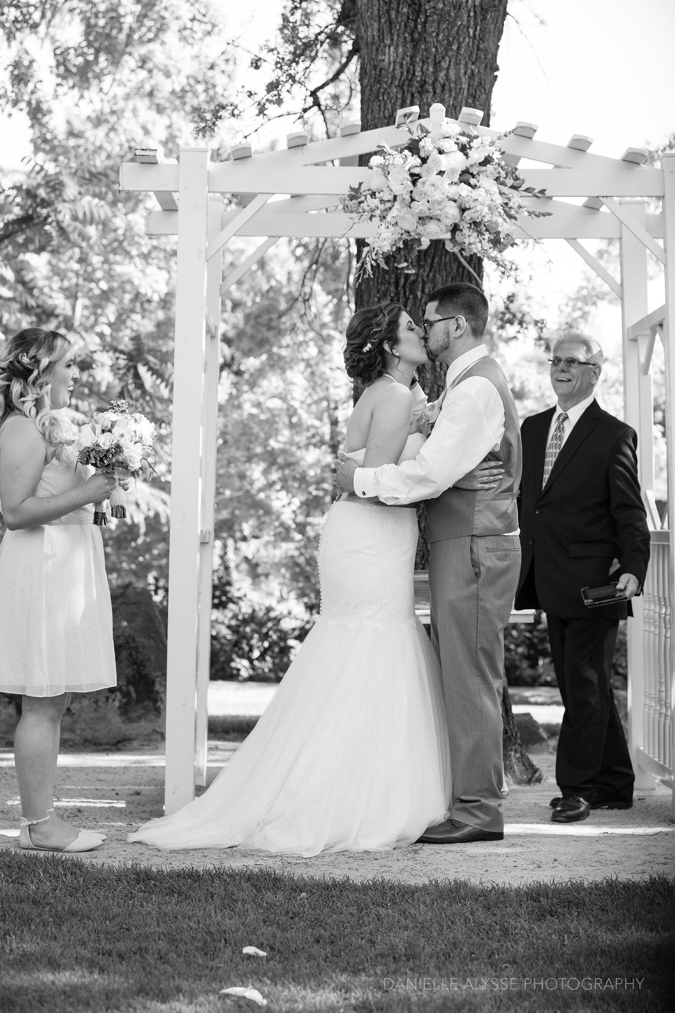 170507_blog_megan_david_wedding_loomis_flower_farm_inn_danielle_alysse_photography_sacramento_photographer0198_WEB.jpg