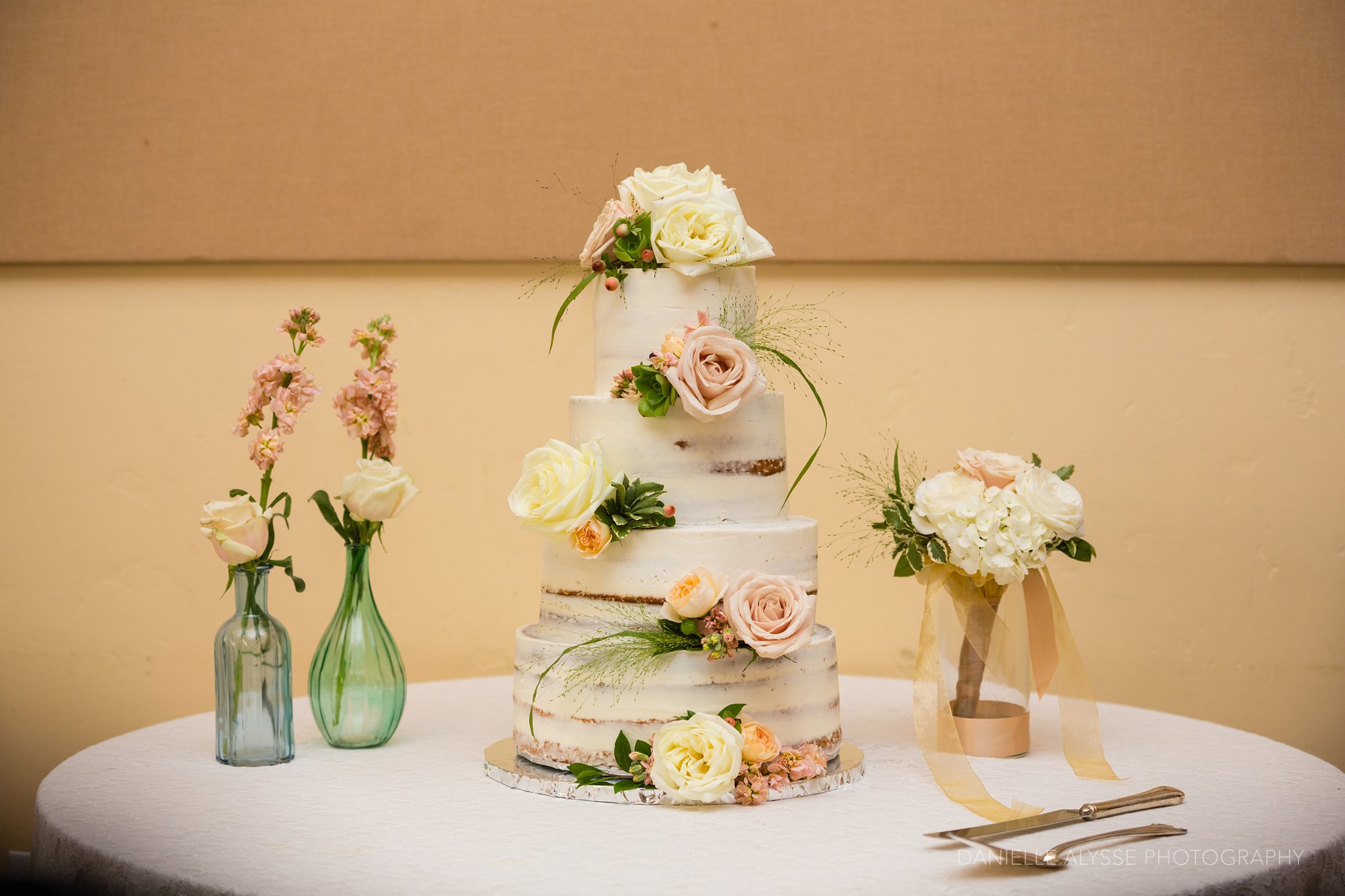 170507_blog_megan_david_wedding_loomis_flower_farm_inn_danielle_alysse_photography_sacramento_photographer0438_WEB.jpg