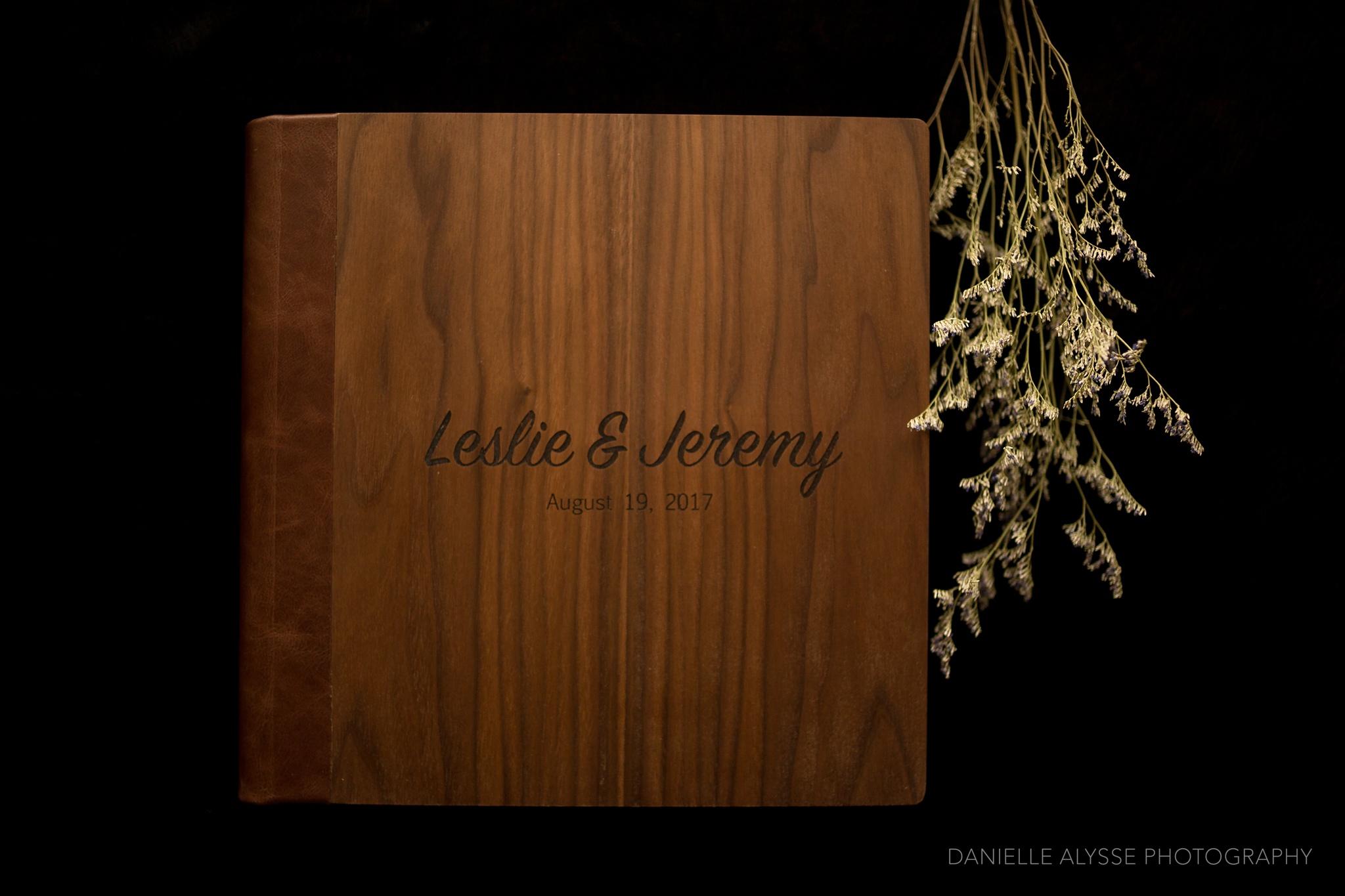 171115_wedding_album_wooden_walnut_leslie_jeremy_bear_valley_lodge_california_danielle_alysse_photography_sacramento_photographer_1_WEB.jpg