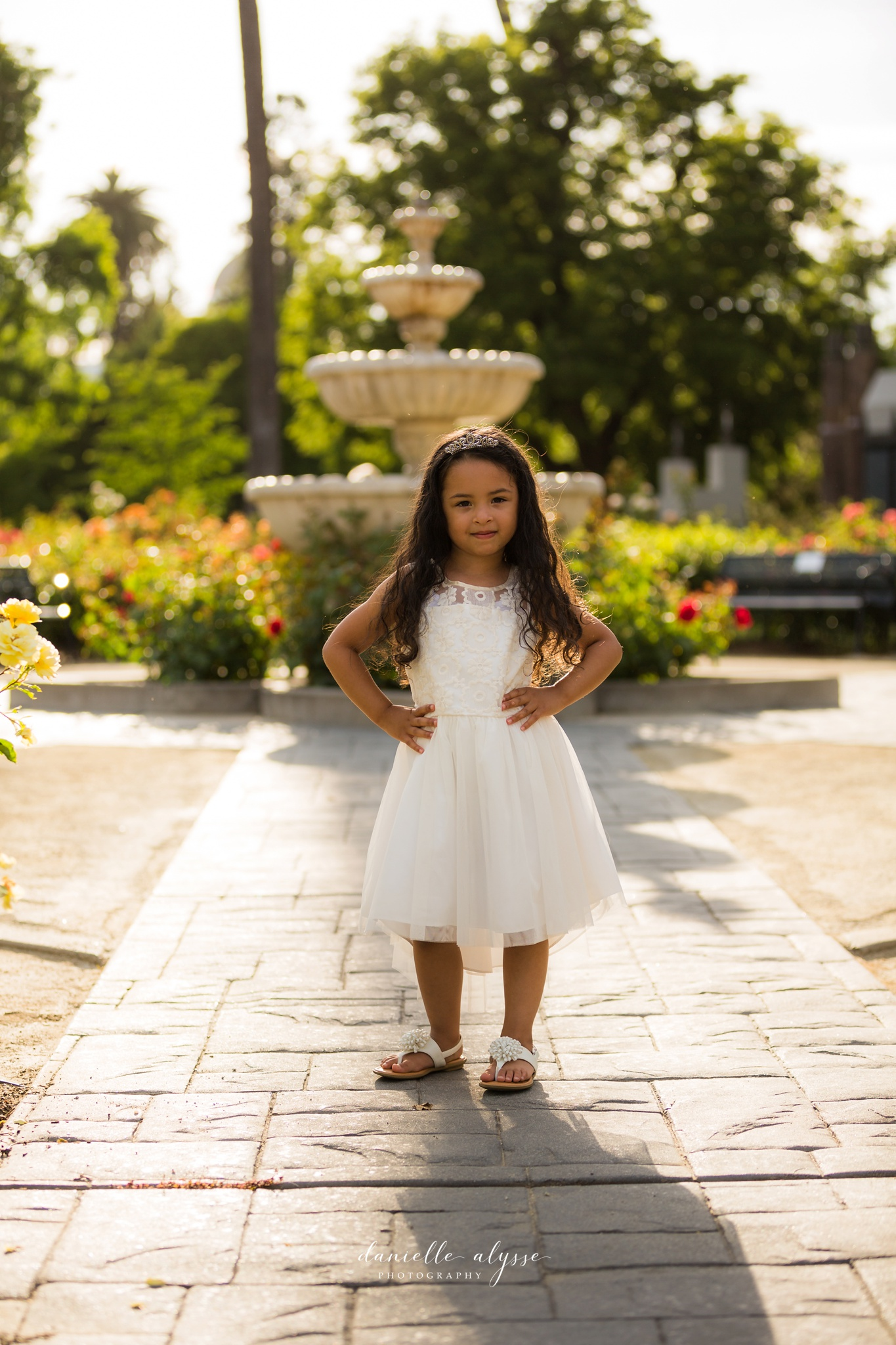 180604_family_portrait_eresvey_state_capitol_park_california_danielle_alysse_photography_blog_1_WEB.jpg