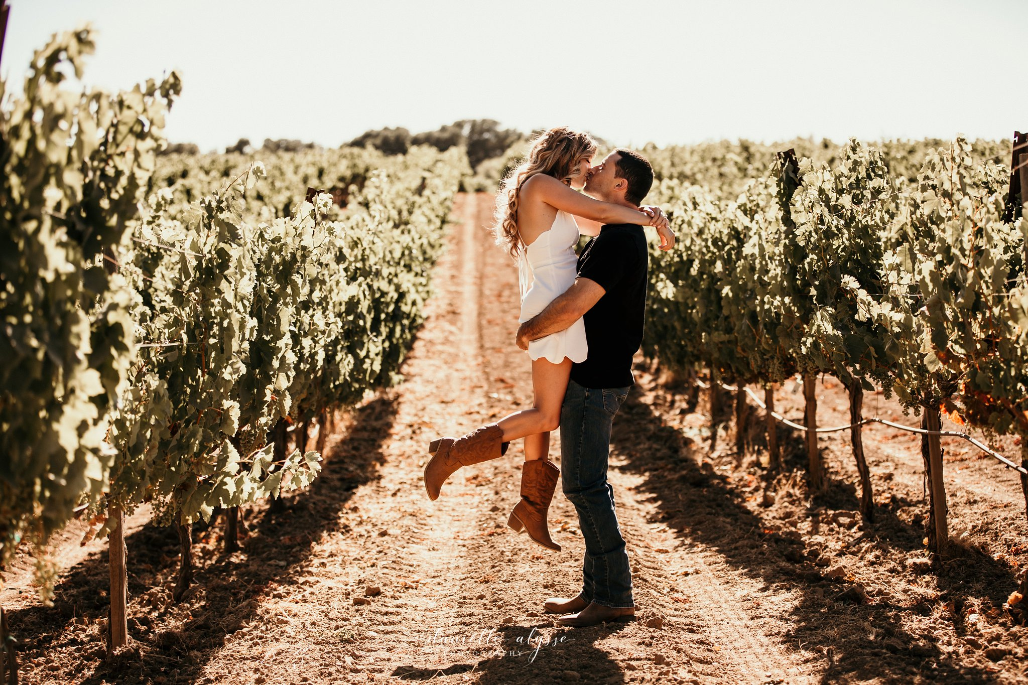 180804_engagement_katie_matt_dillon_beach_napa_danielle_alysse_photography_blog_18_WEB.jpg