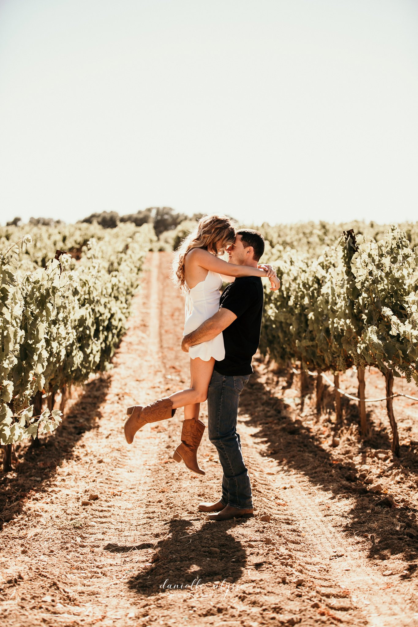 180804_engagement_katie_matt_dillon_beach_napa_danielle_alysse_photography_blog_20_WEB.jpg