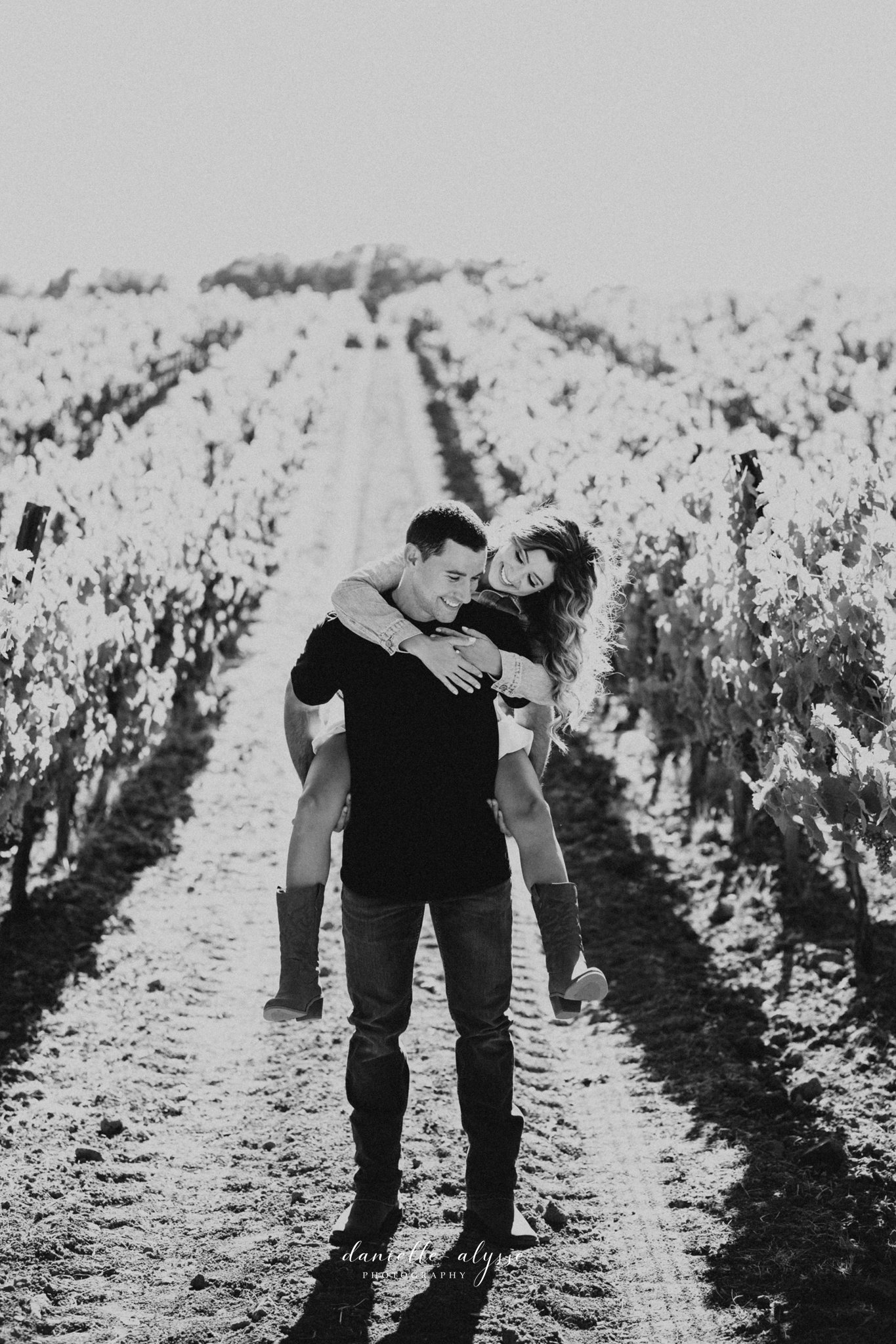 180804_engagement_katie_matt_dillon_beach_napa_danielle_alysse_photography_blog_22_WEB.jpg