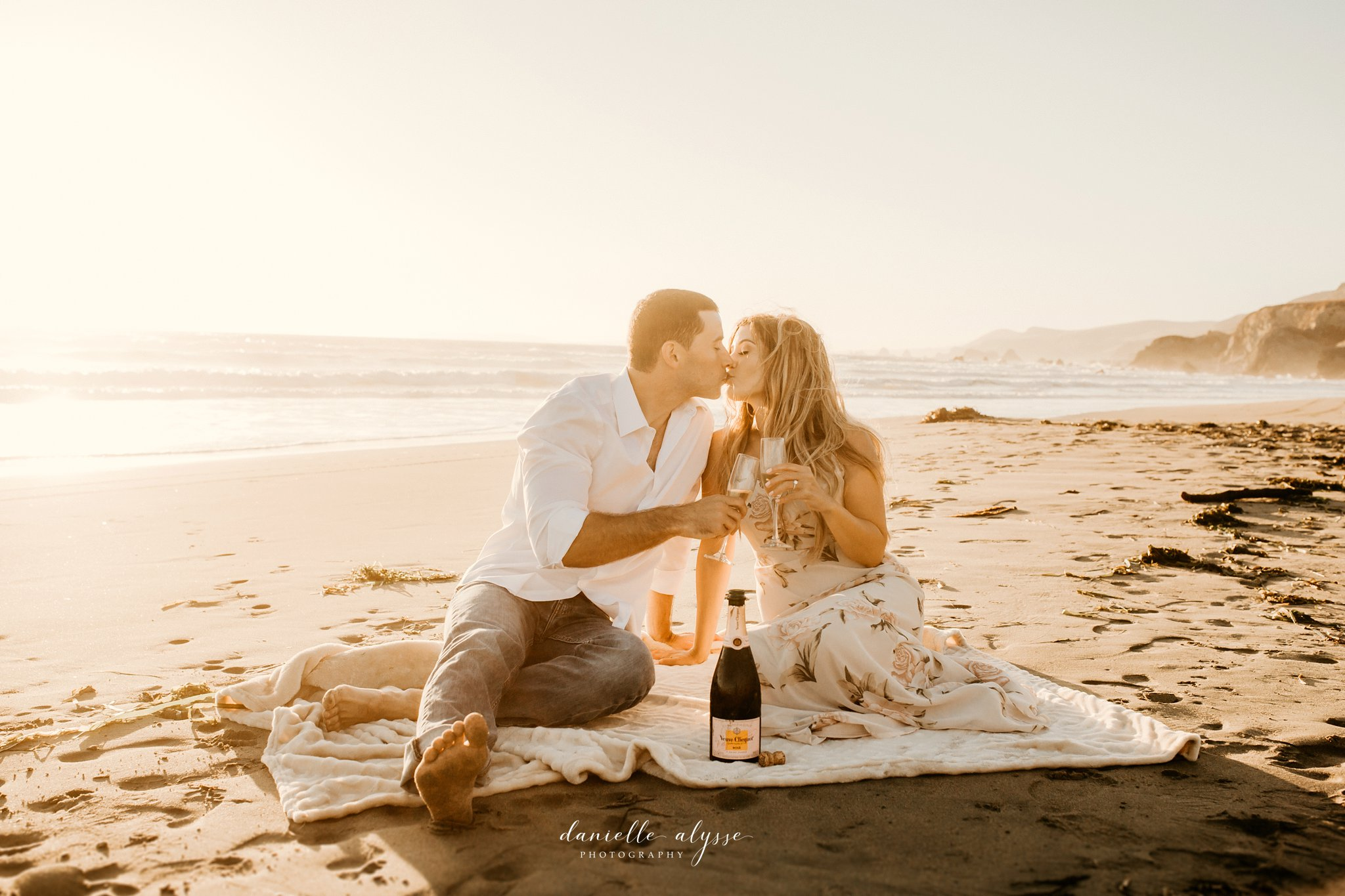 180804_engagement_katie_matt_dillon_beach_napa_danielle_alysse_photography_blog_59_WEB.jpg
