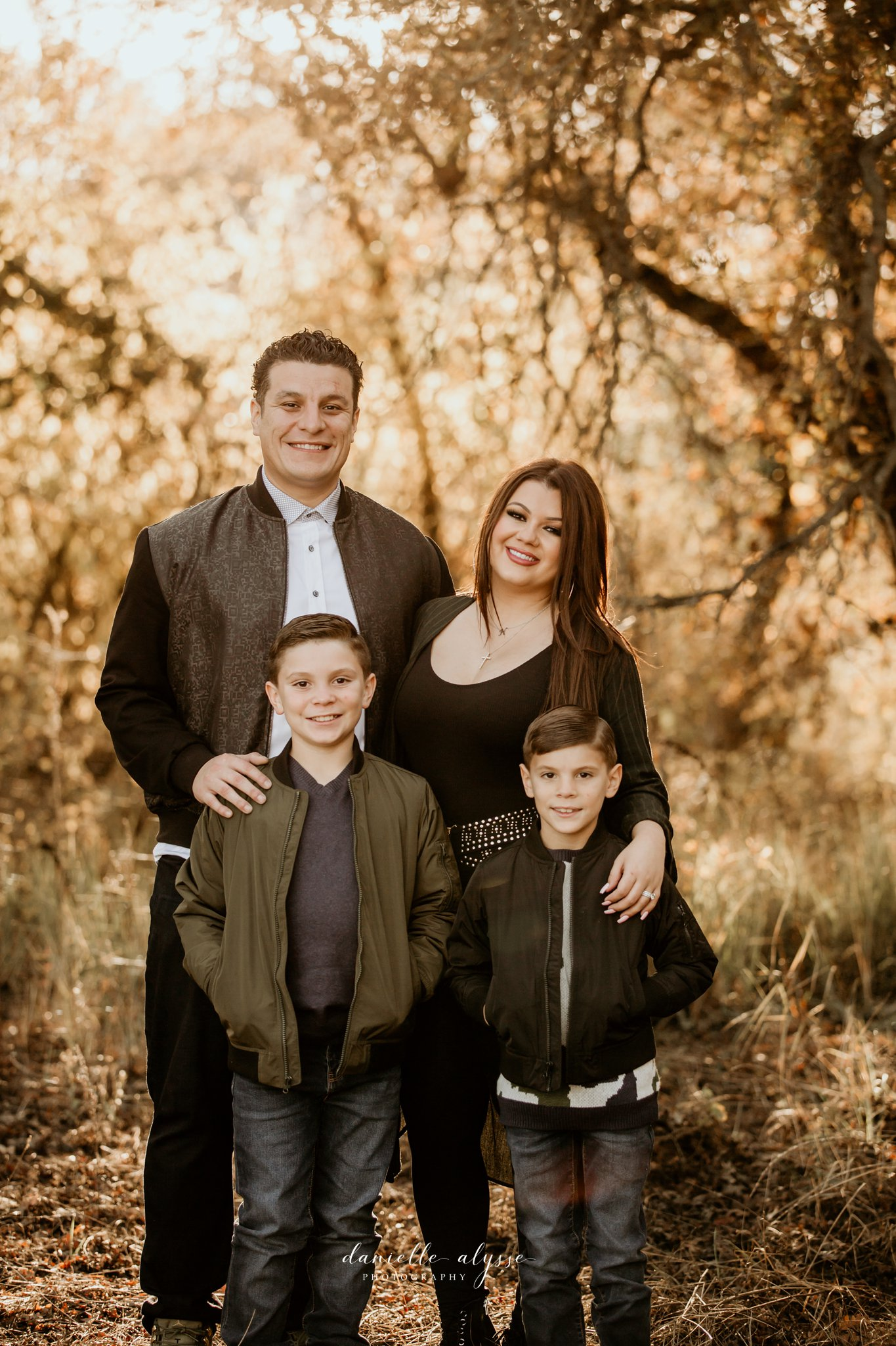 181125_fall_family_portrait_cosumnes_river_preserve_brittney_danielle_alysse_photography_1_WEB.jpg