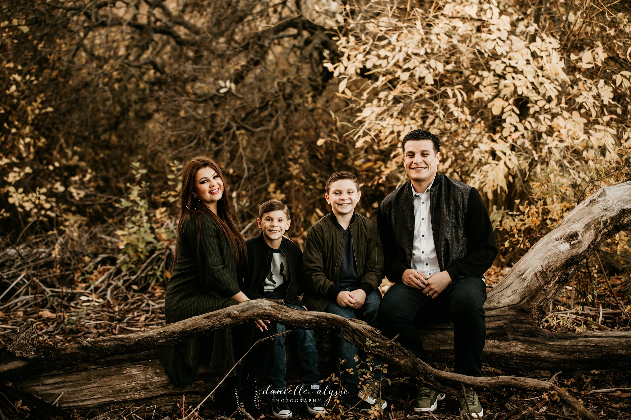 181125_fall_family_portrait_cosumnes_river_preserve_brittney_danielle_alysse_photography_16_WEB.jpg