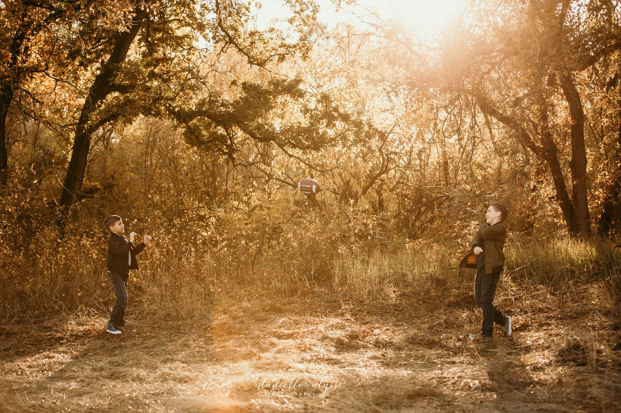 181125_fall_family_portrait_cosumnes_river_preserve_brittney_danielle_alysse_photography_11_WEB.jpg