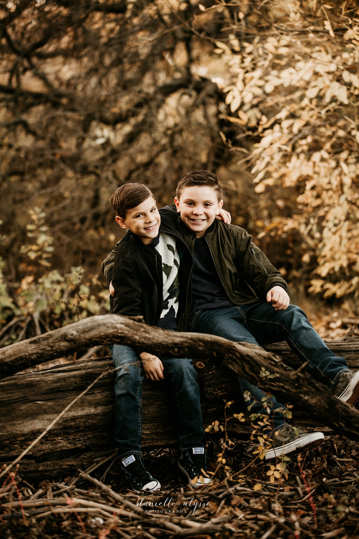 181125_fall_family_portrait_cosumnes_river_preserve_brittney_danielle_alysse_photography_17_WEB.jpg