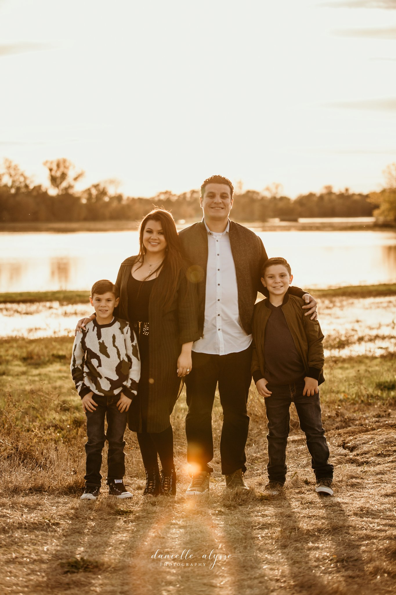 181125_fall_family_portrait_cosumnes_river_preserve_brittney_danielle_alysse_photography_20_WEB.jpg