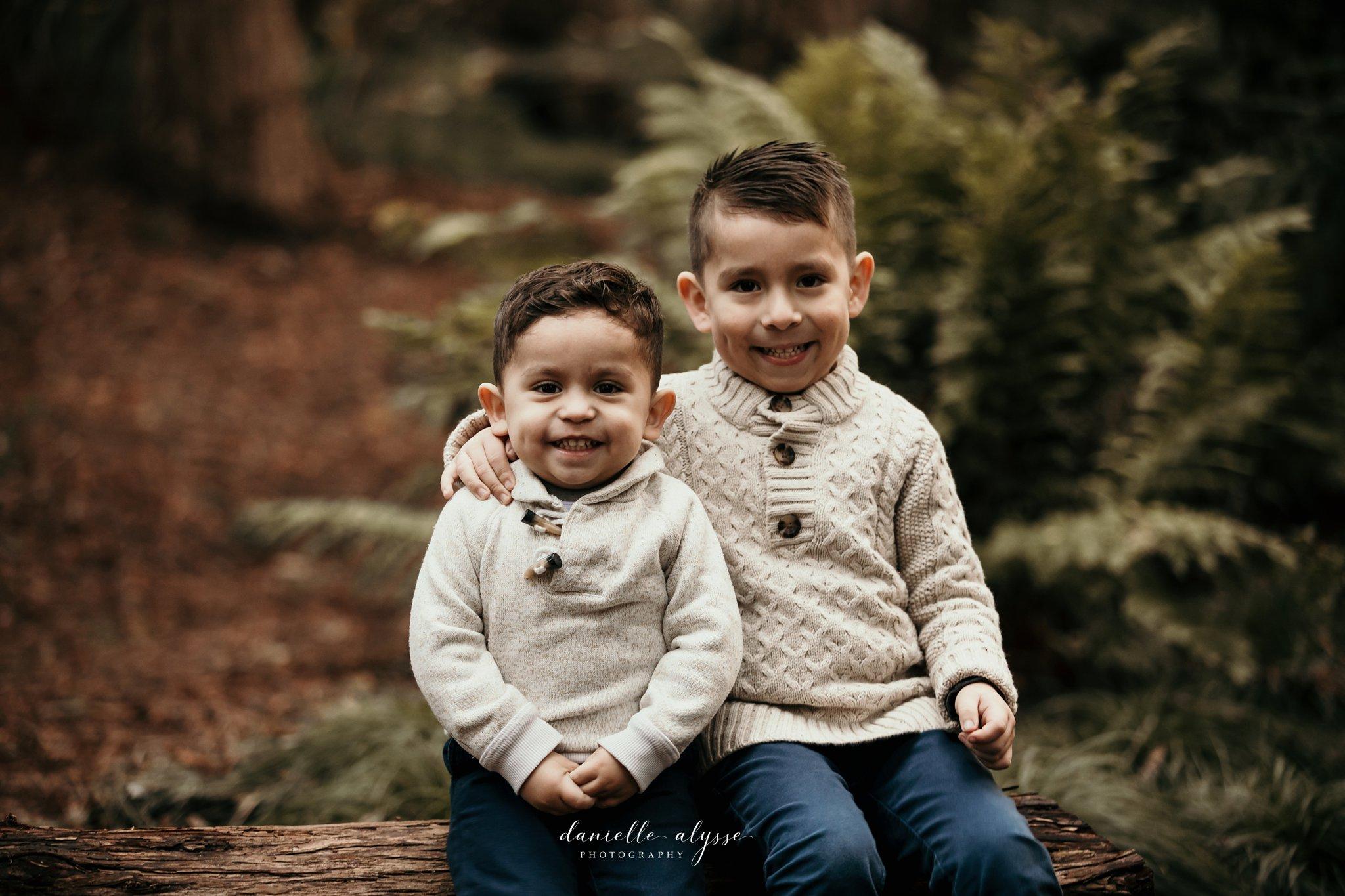 181205_family_portrait_fall_davis_arboretum_andrea_danielle_alysse_photography_7_WEB.jpg