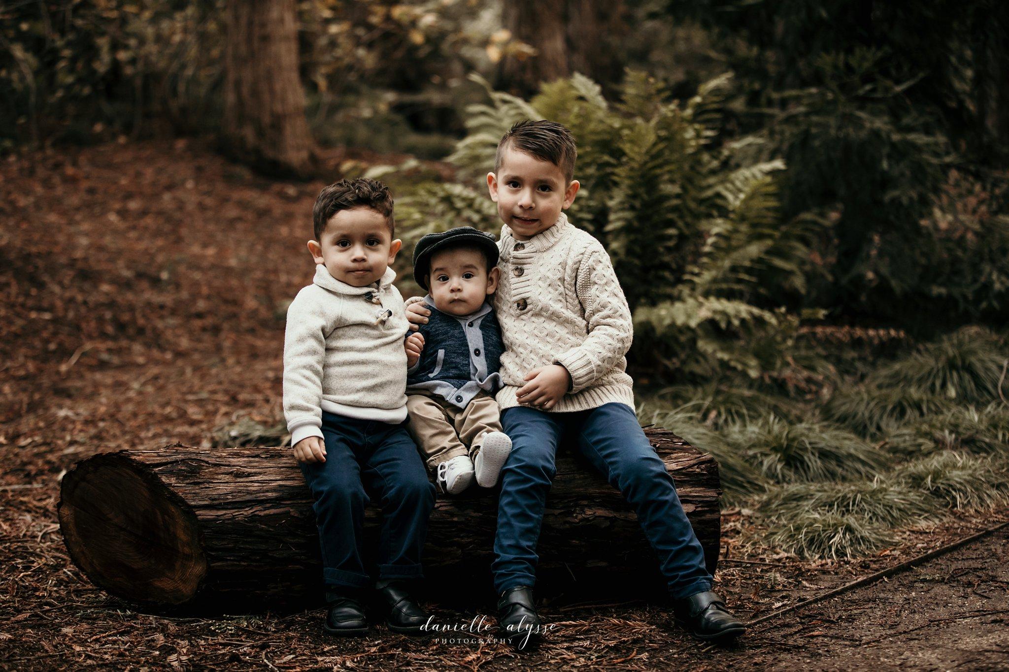 181205_family_portrait_fall_davis_arboretum_andrea_danielle_alysse_photography_11_WEB.jpg