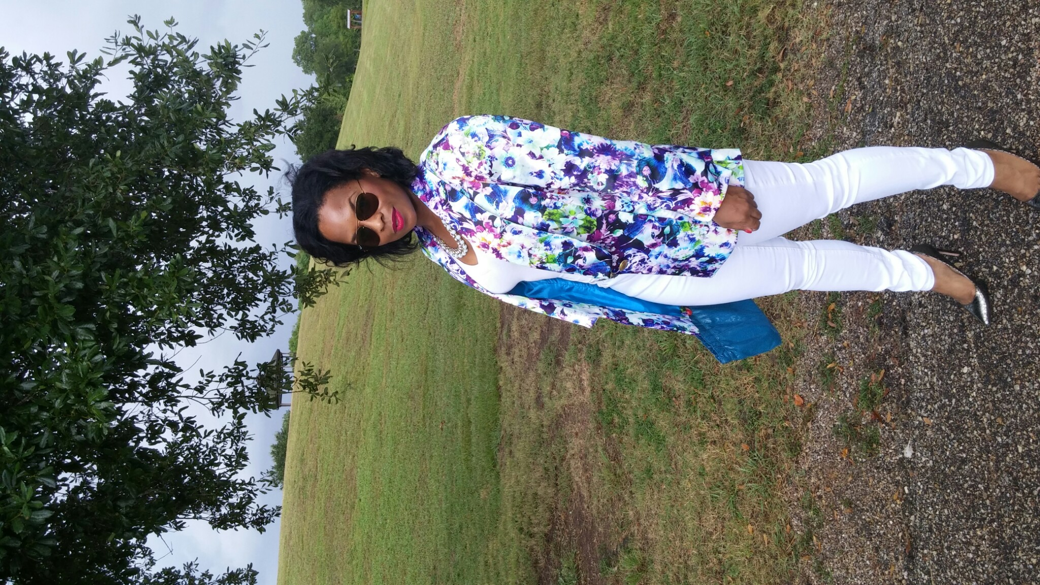 Shades: Ray-Ban  Blazer: DIY  Jeans: 7 For All Mankind