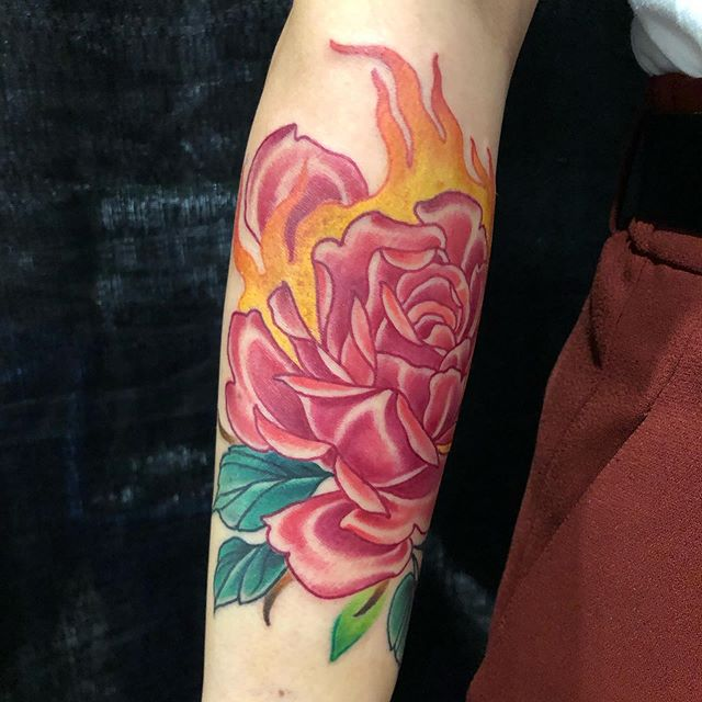 Flaming rose tattoo done by @maxinemahood last weekend at @coveredexpo !!! Check out her page for more work and email the shop for booking and availability! @lucky13toronto . . . #rosetattoo#neotraditional#toronto#torontotattoos#fire#tattooflash#rose#flowertattoo#torontotattooshop#lucky13toronto#ink#art#colourtattoos#girlswithtattoos#tattooedpeople#thesix#ladytattooers#tattoosnob#maxinemahood