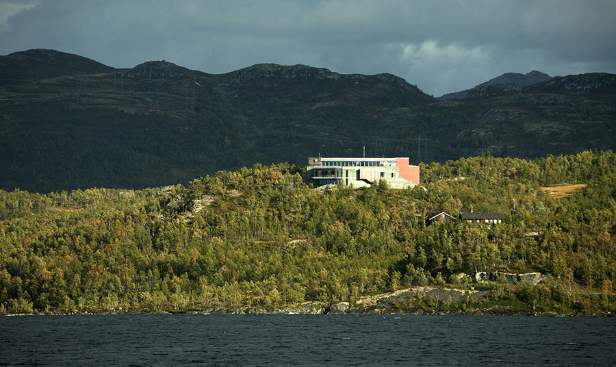 Norsk villreinsenter Sør og Hardangervidda nasjonalparksenter.  Foto: Kjell Bitustøyl