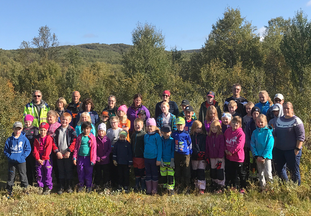 Dalsbygda barneskole på skjøtselsdag. Foto: Astrid Alice Haug