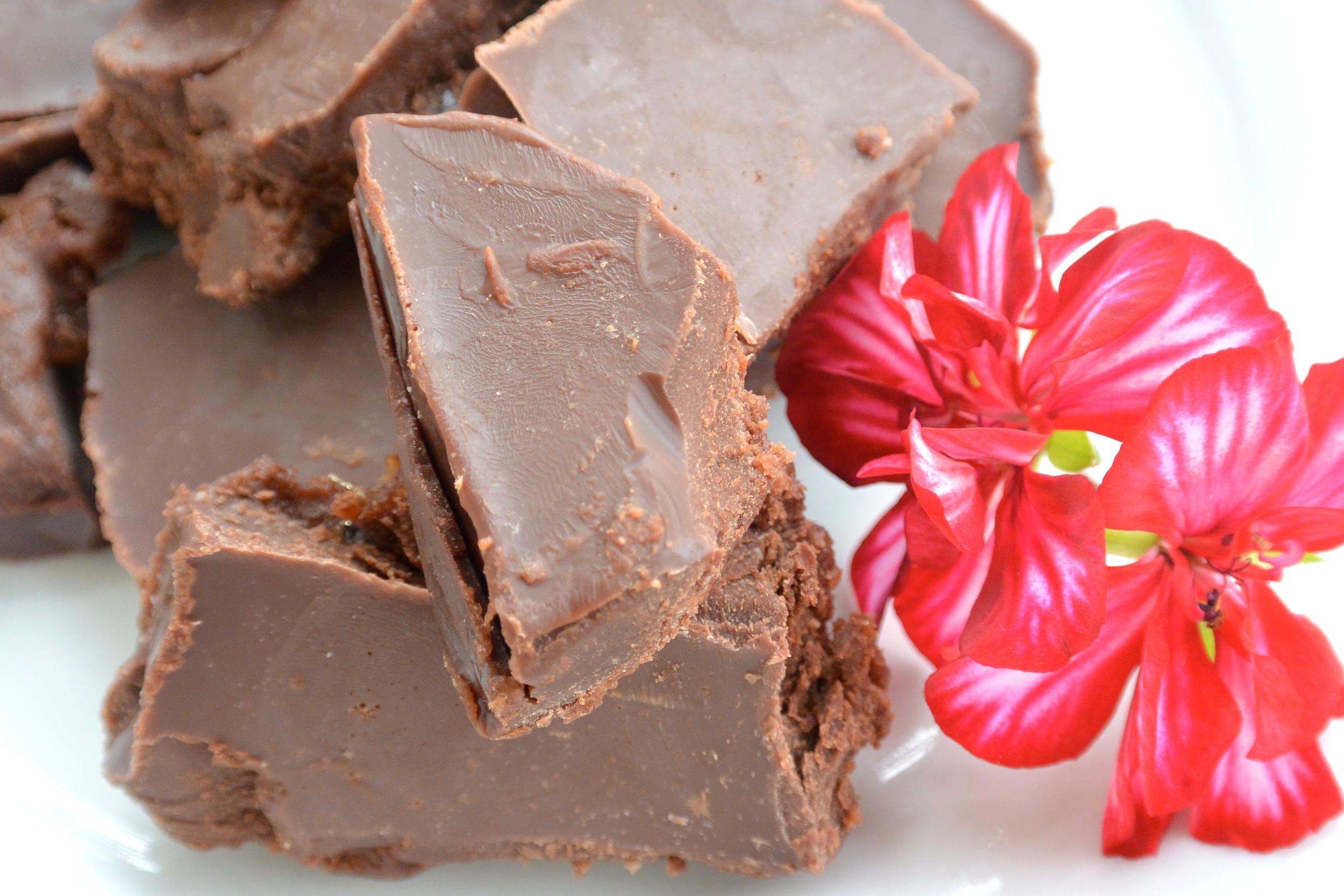 Creamy Date Chocolate