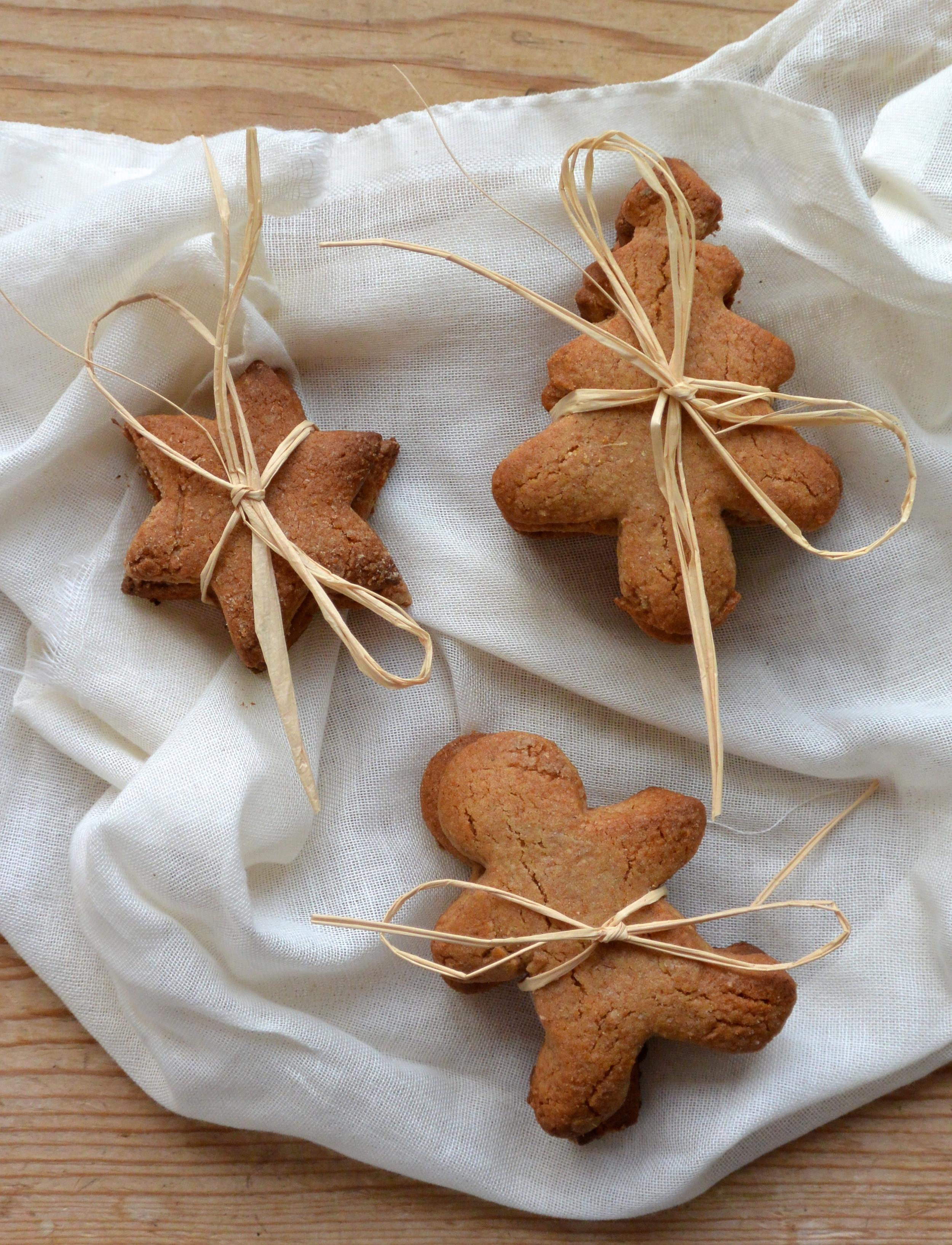Christmas Gingerbread Cookies | The Herb Diaries