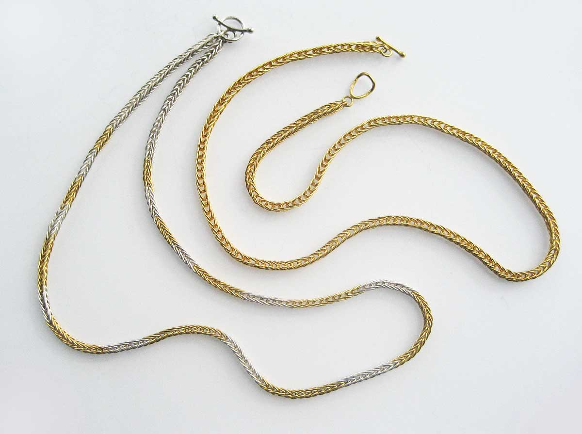 Silver and gold loop chains