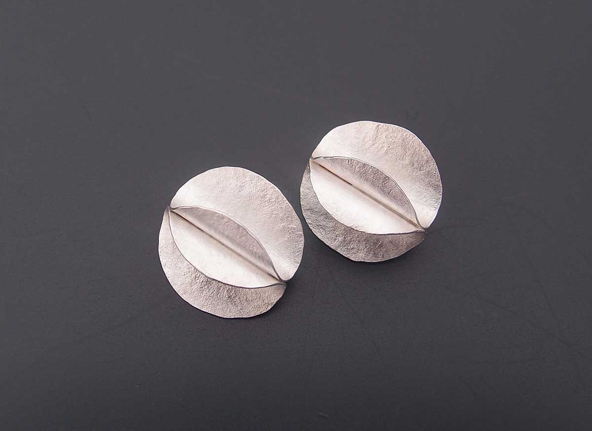 Silver curve earrings