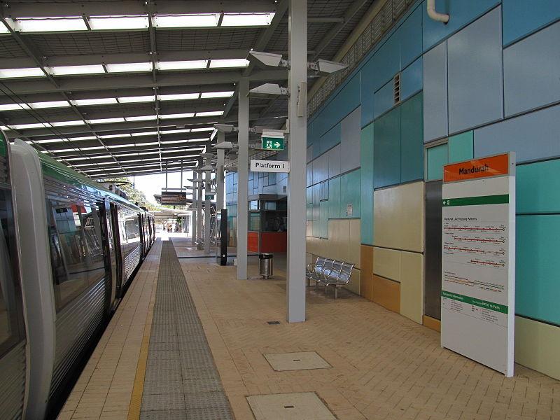 Mandurah Train Station PHOTO:Orderinchaos https://commons.wikimedia.org/wiki/User:Orderinchaos?uselang=en-gb