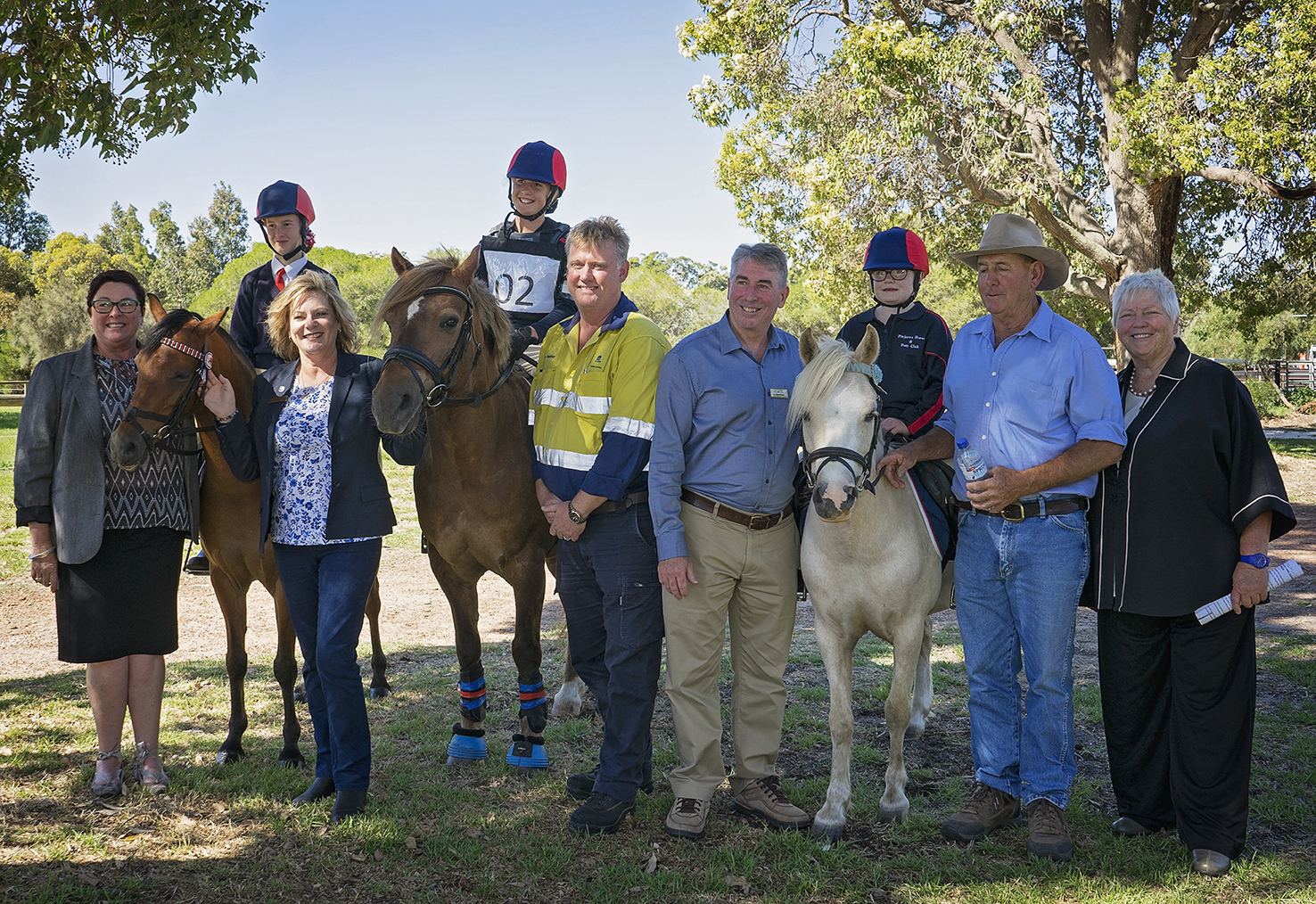 Ms. Lisa Baker MLA Member for Maylands, Mrs. Robyn Clarke MLA Member for Murray-Wellington, Tom Duxbury Alcoa Production Manager, Shire President Cr. David Bolt, Murray Equestrian Association Vice President Mr. Greg Angilley and Peel Development Chairperson Ms. Paddi Creevy with Pinjarra Horse and Pony Club members