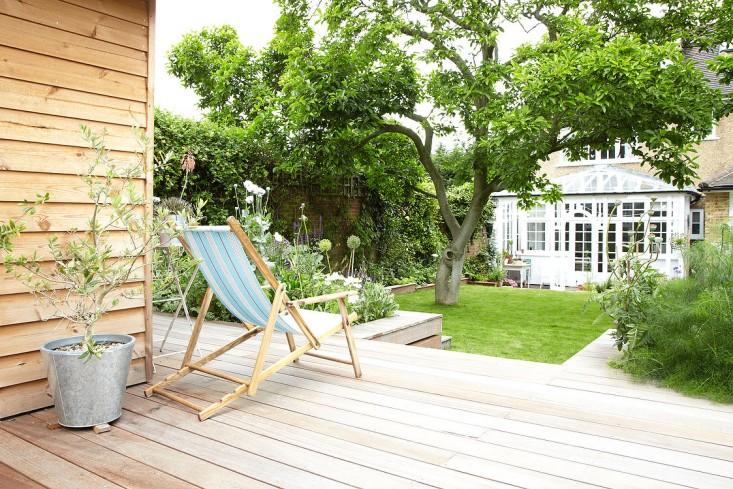 summerhouse gardenista 6.jpg