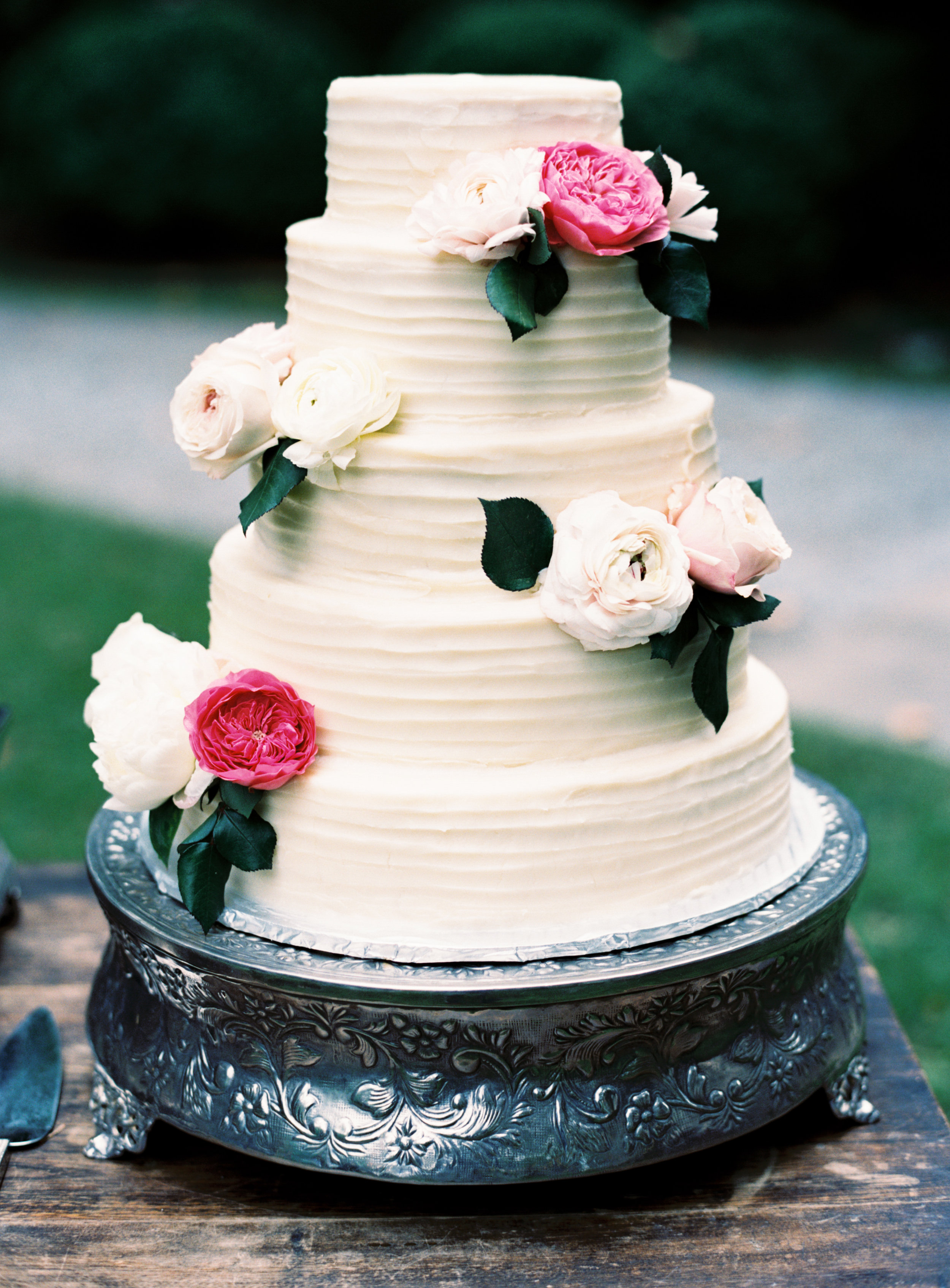 Cake with Horizontal lines and Floral .jpg