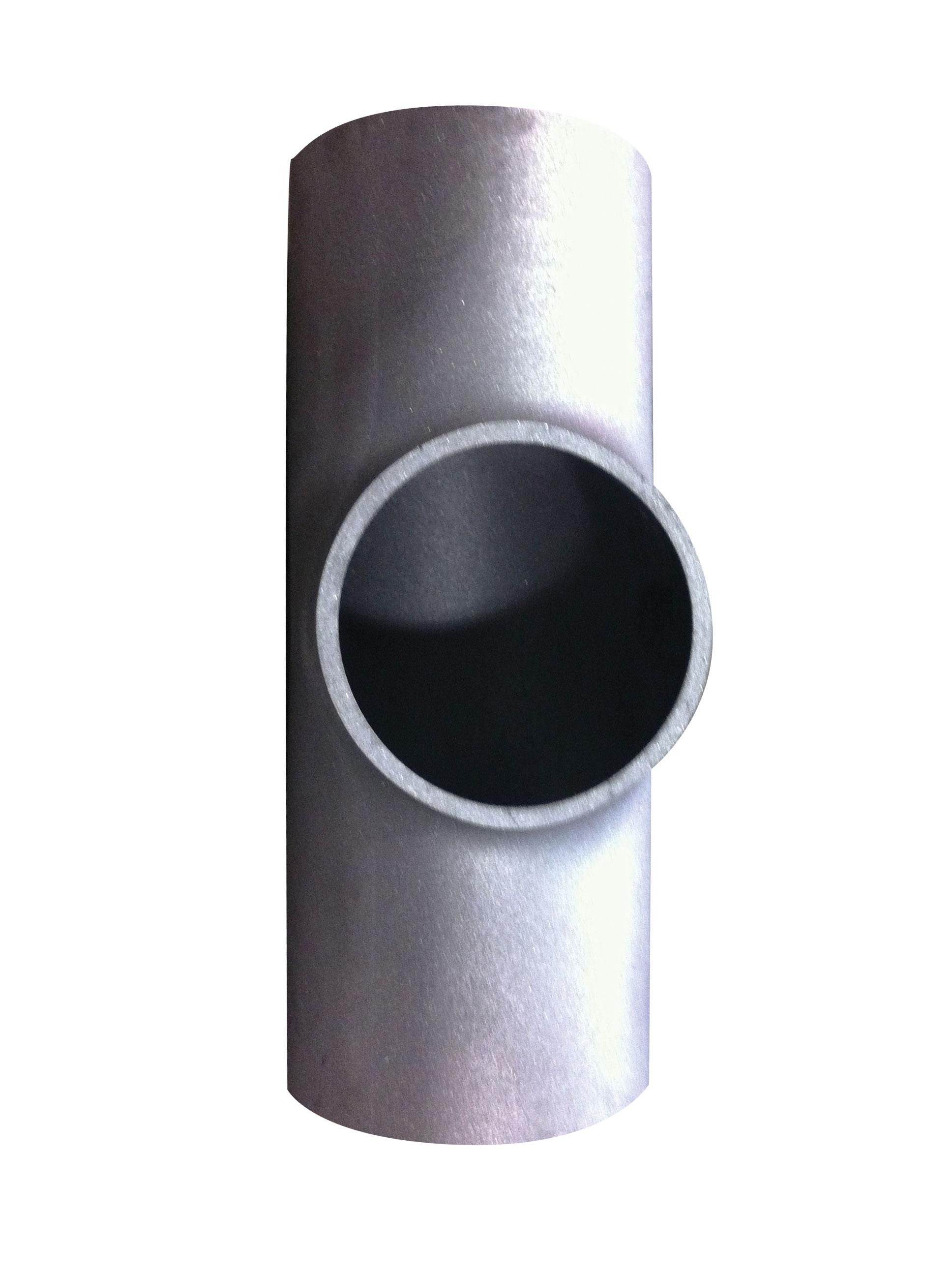 Extruded Outlet for Magnetic Level Gauge