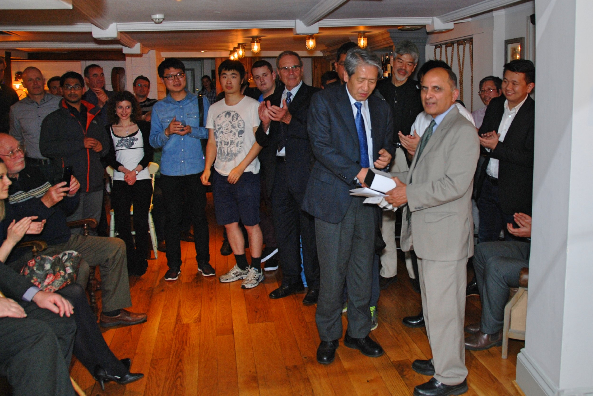 Prof. Fujimitsu Masuyama receiving the award on behalf on Dr. Yasushi Hasegawa of Nippon Steel & Sumitomo Metal, Japan