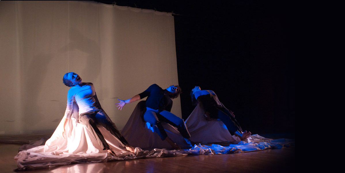 Kuntz-and-Company-Kramer-Janders-Leave-my-Shoes-by-the-Door-Dance-Theatre-death-and-dying-Angela-Kiser-Alona-Christman-Ella-Mahler-Spencer-Thun.jpg